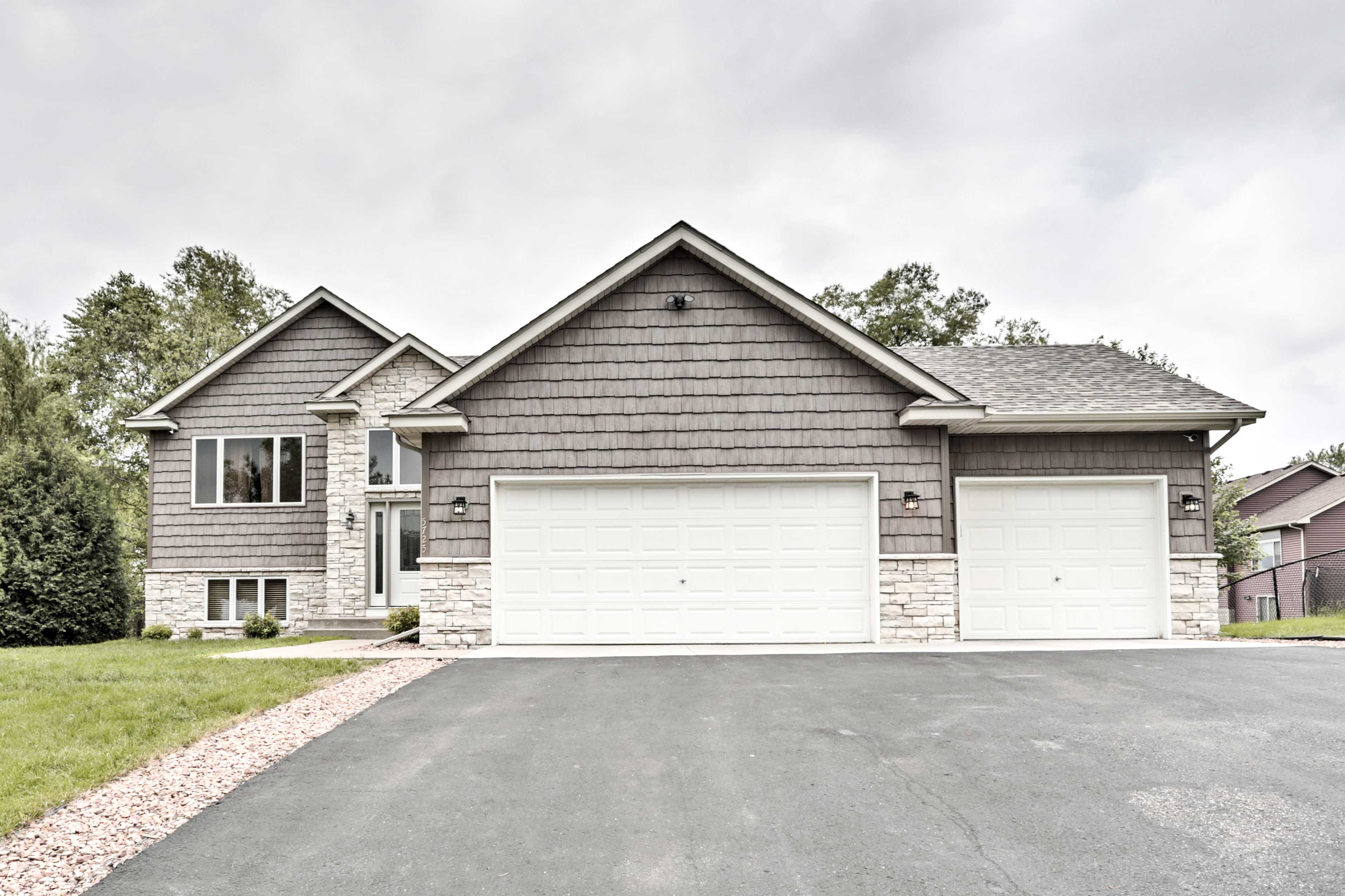 This 4-bed, 2-bath home boasts 2,800 square feet of living space.