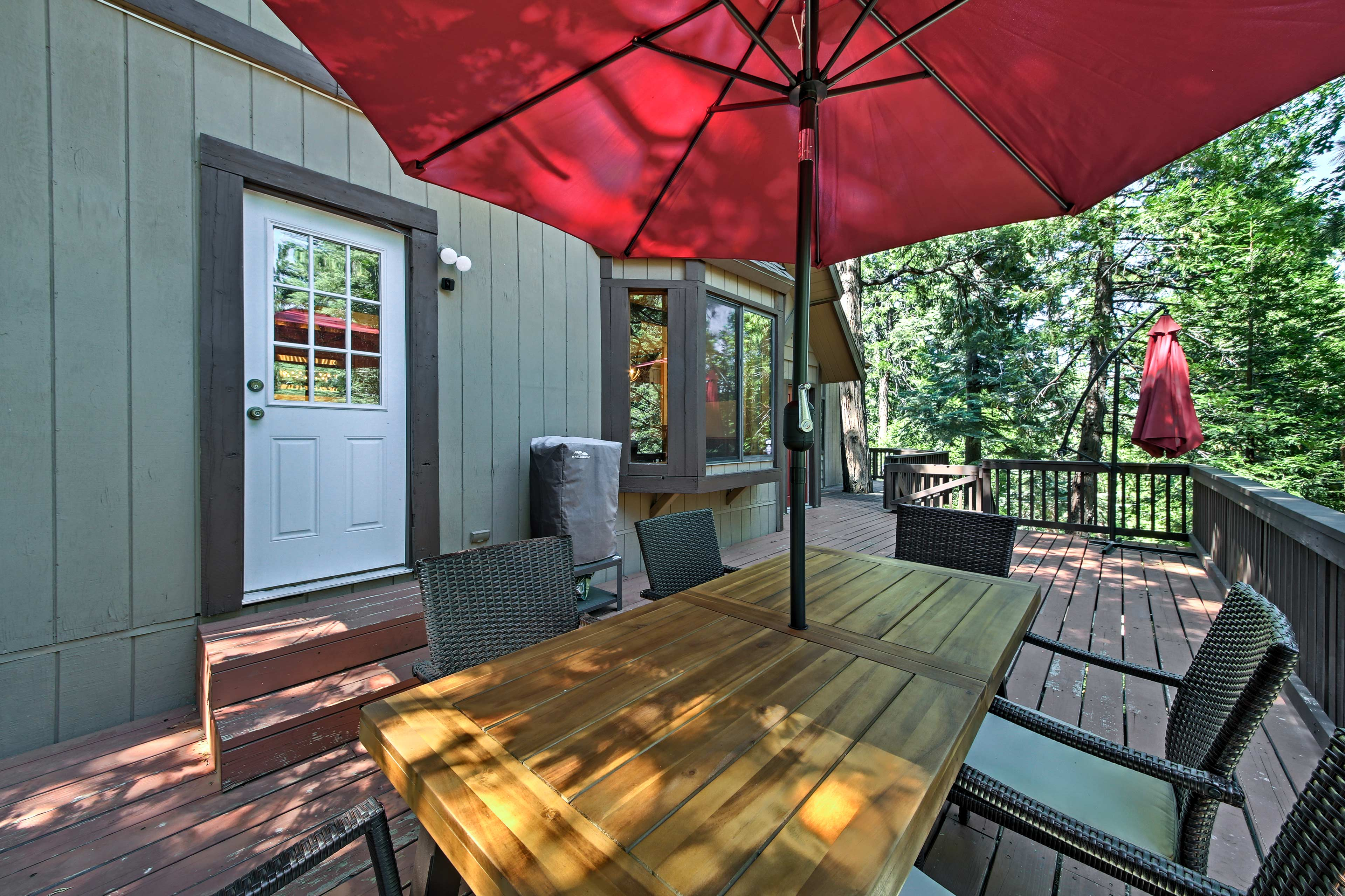 Dine outside at the 6-person table on the deck.