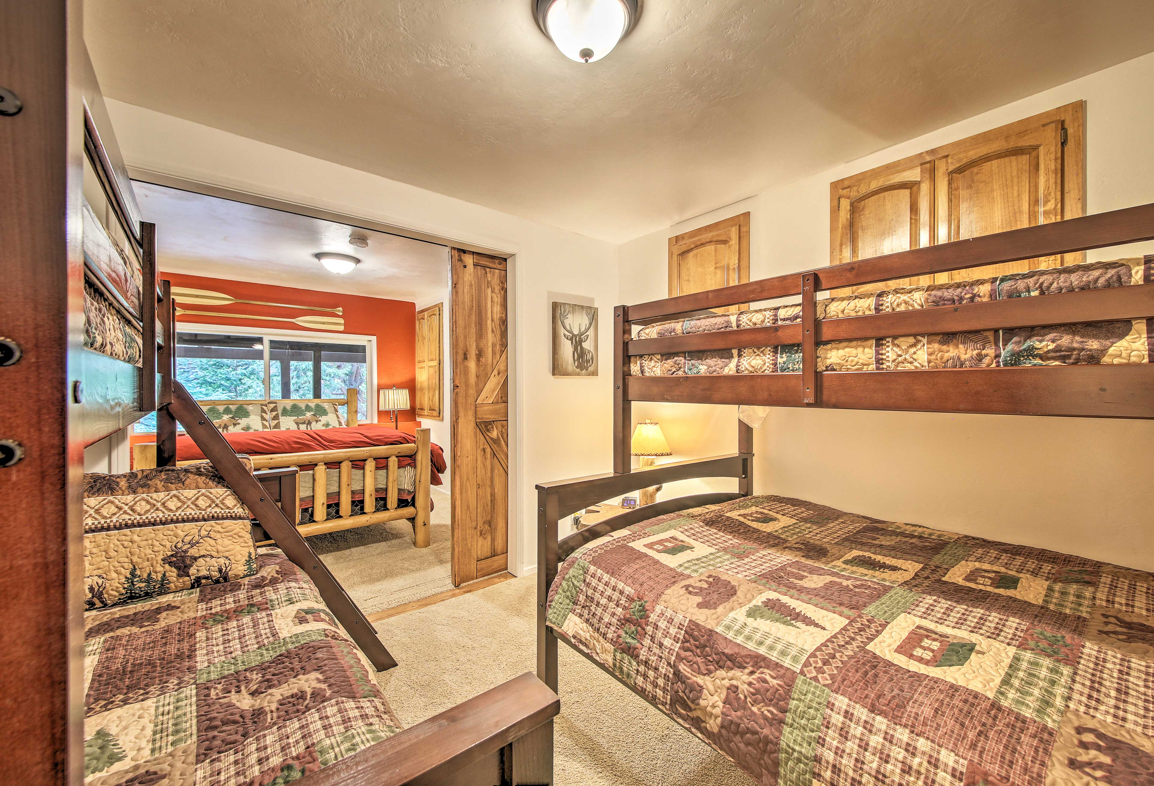 Open or close the doors to customize your stay!