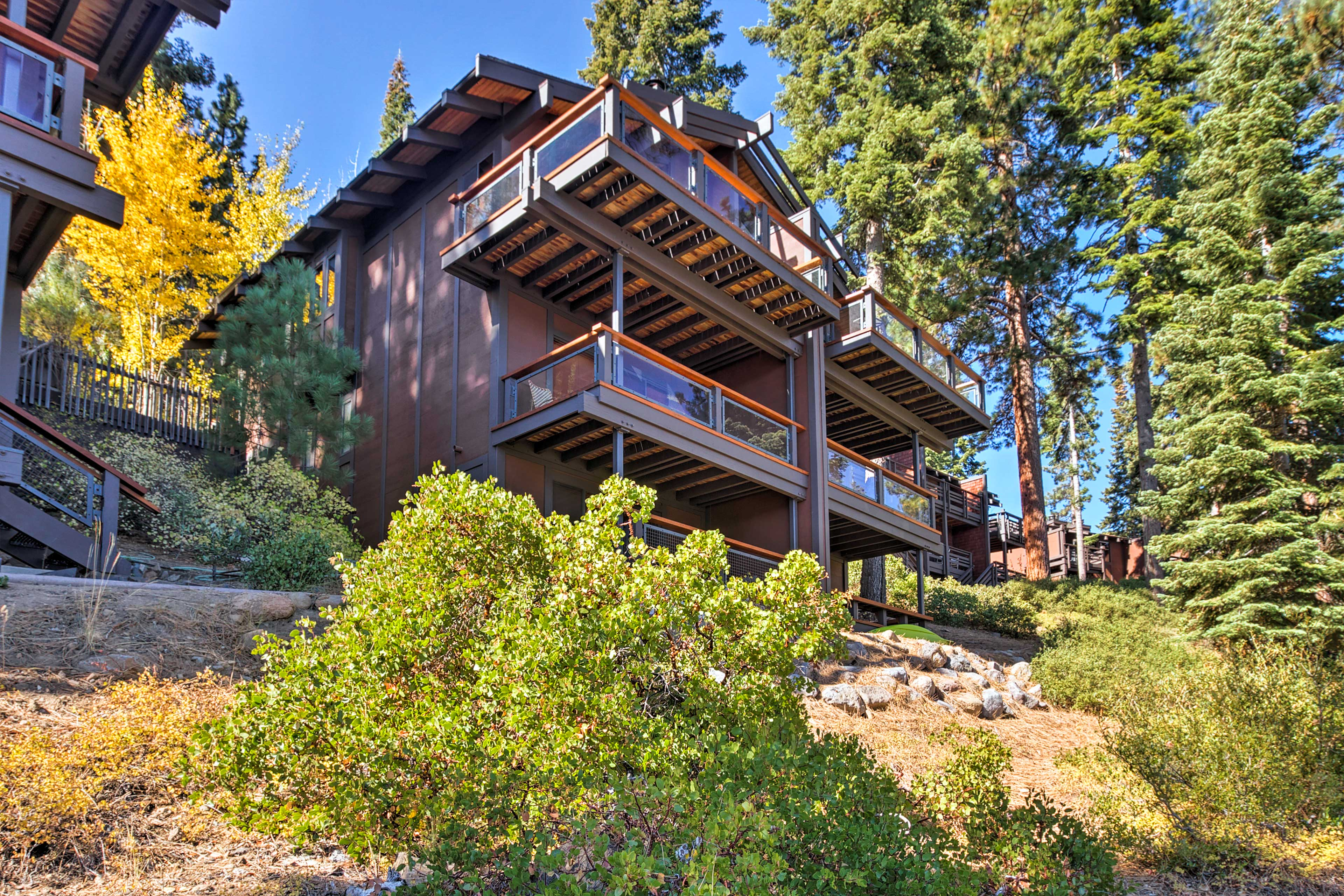 Tahoe City is just an 8-minute drive away.