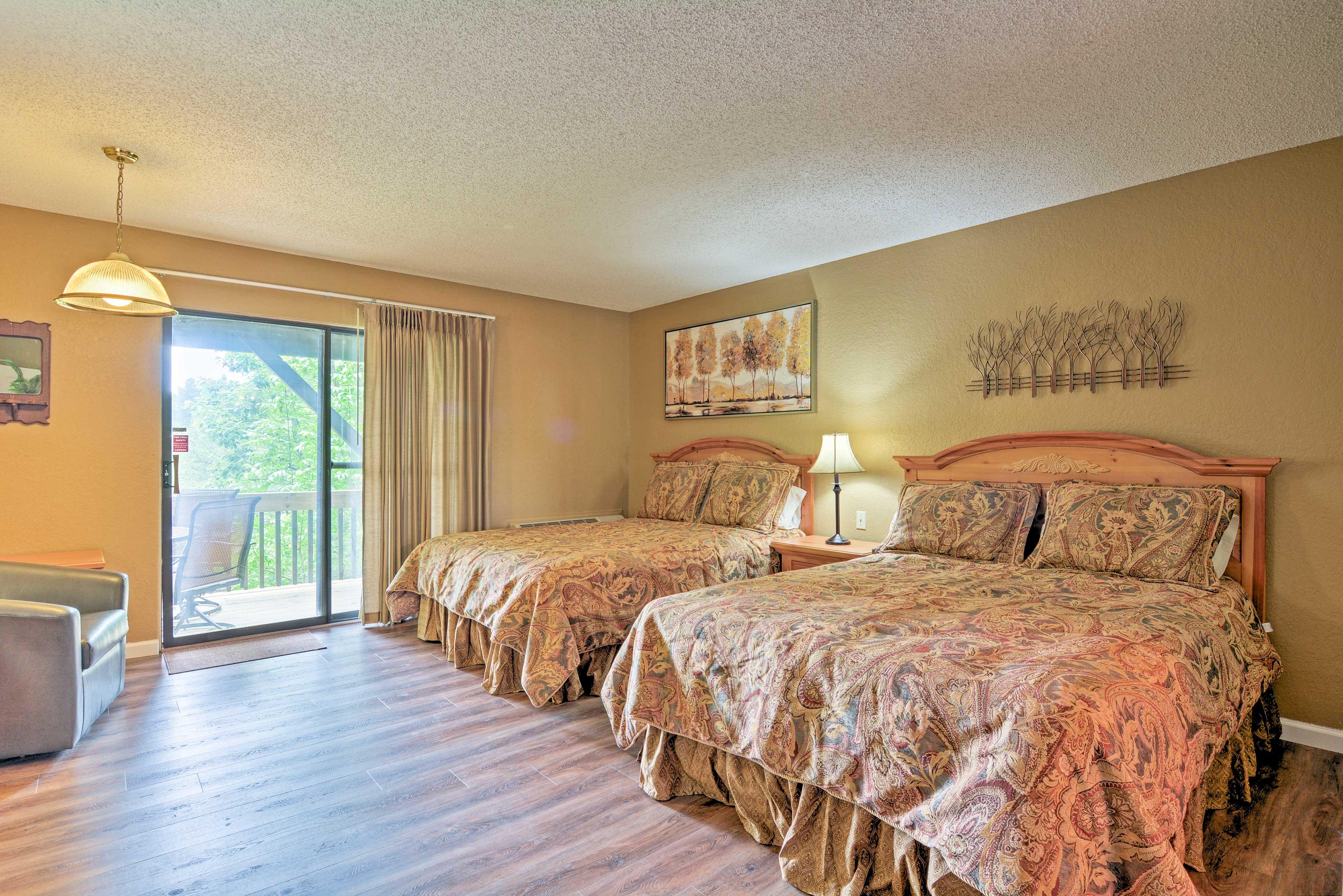 Bedroom 5 | 2 Queen Beds