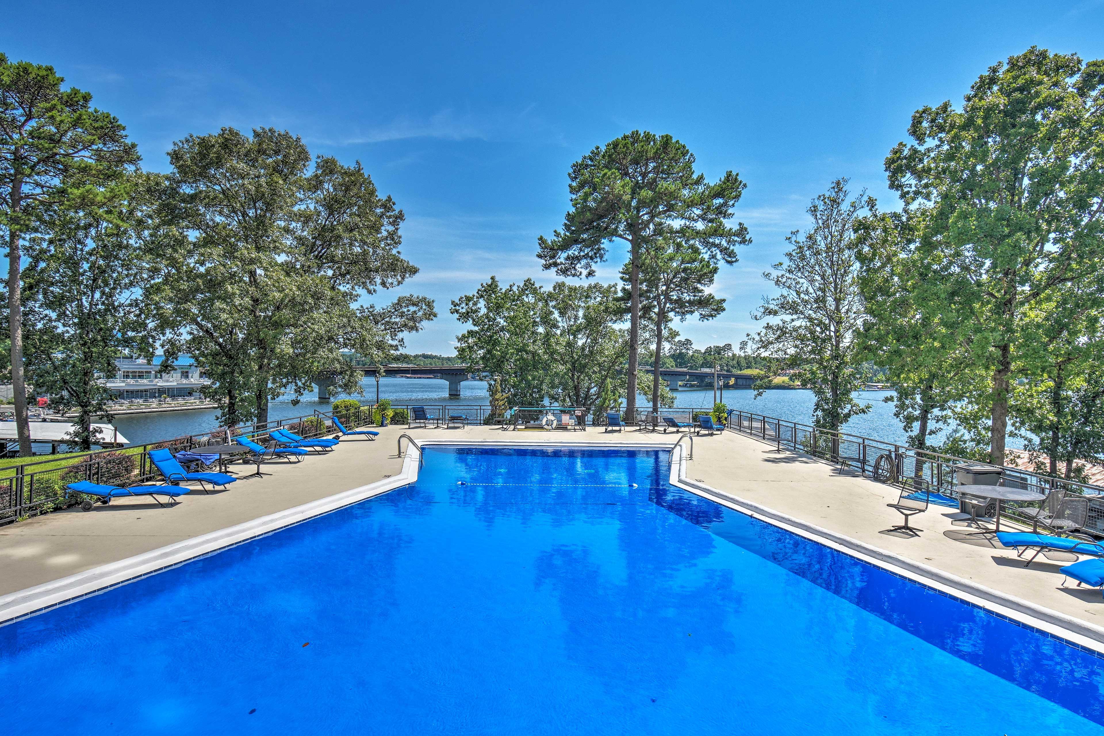Lounge poolside with Lake Hamilton views.