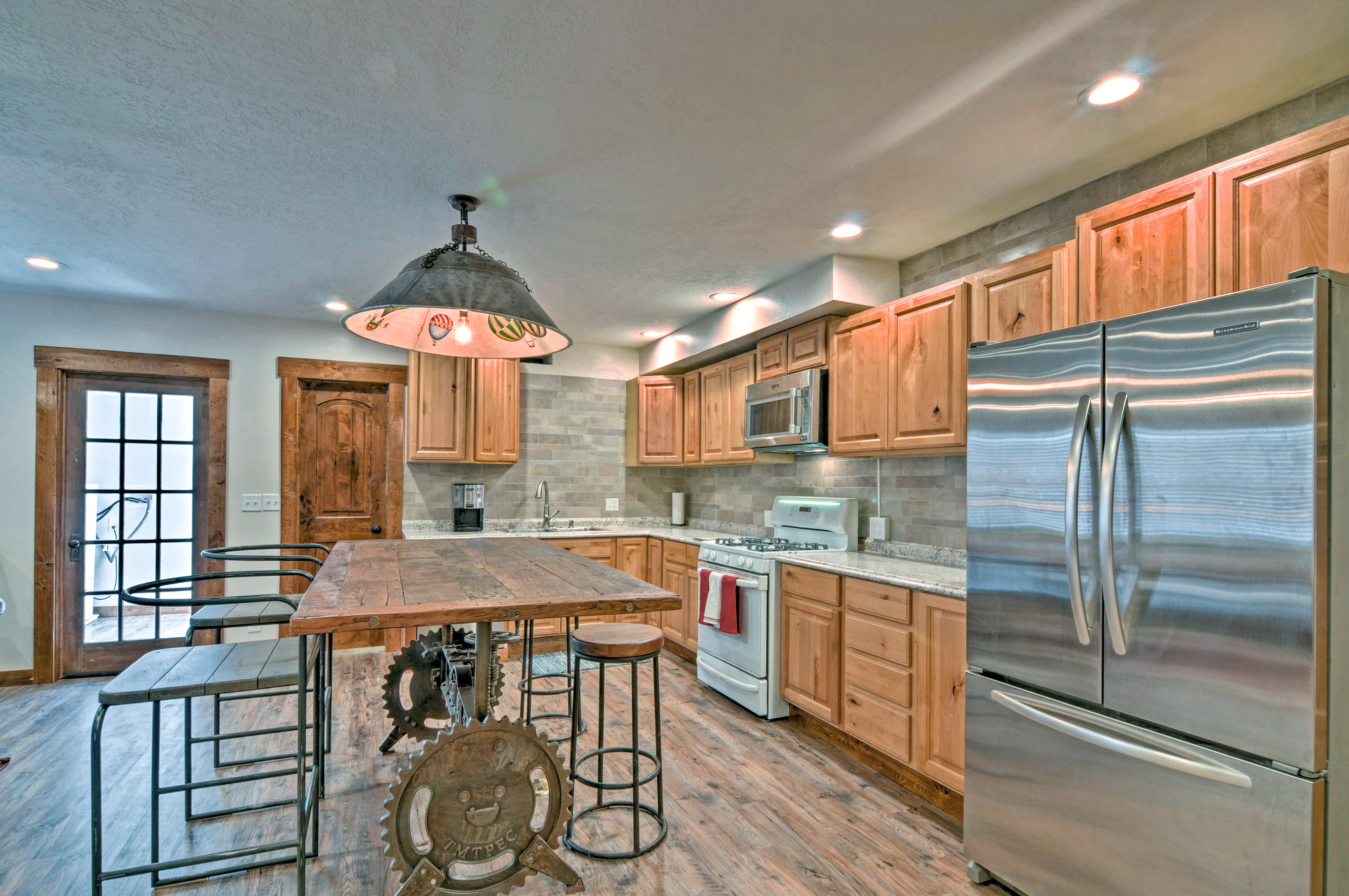 Salina Vacation Rental Condo | 2BR | 1BA | 1,100 Sq Ft | Stairs Required