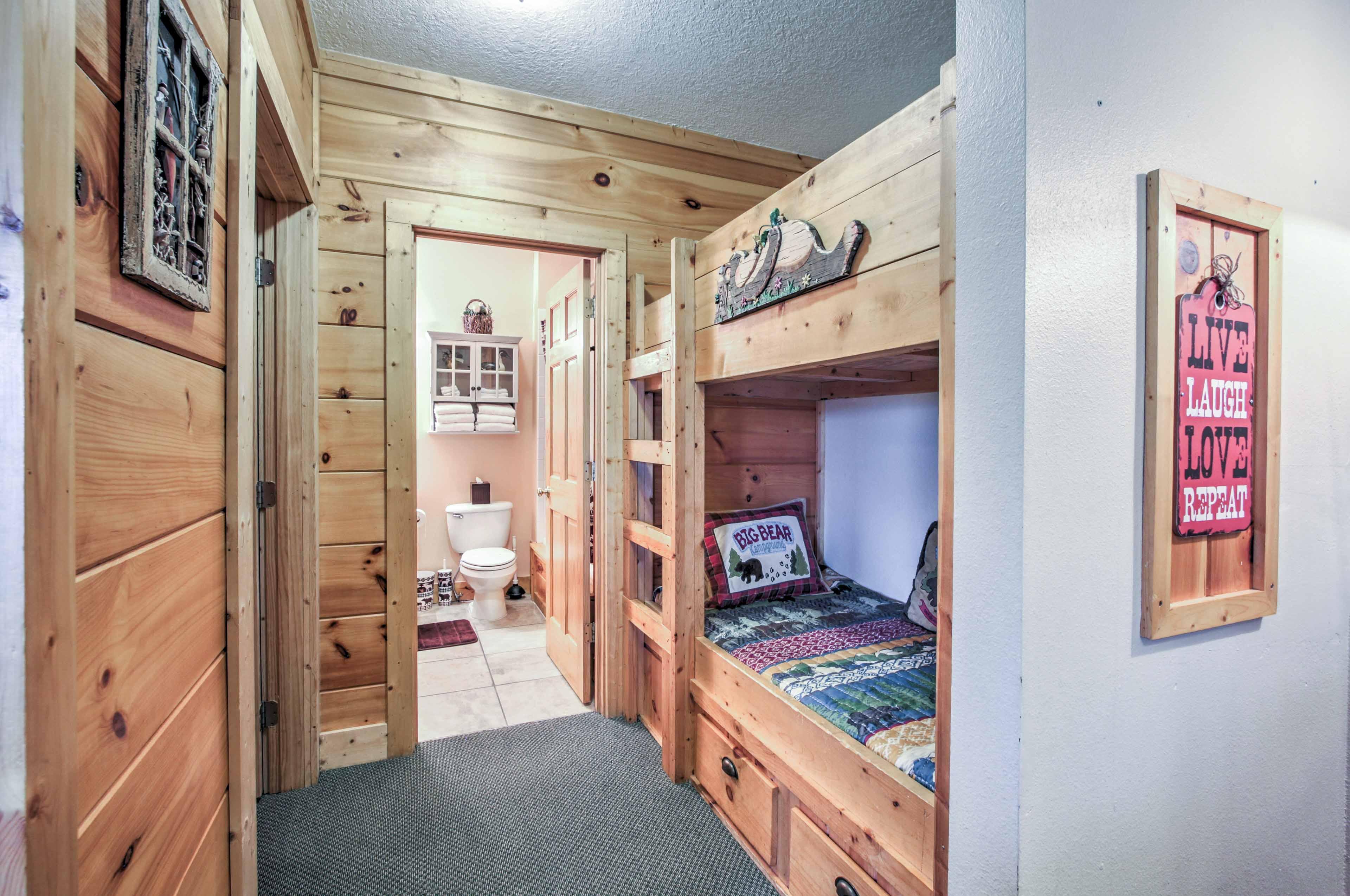 Hallway Nook | Twin Bunk Bed