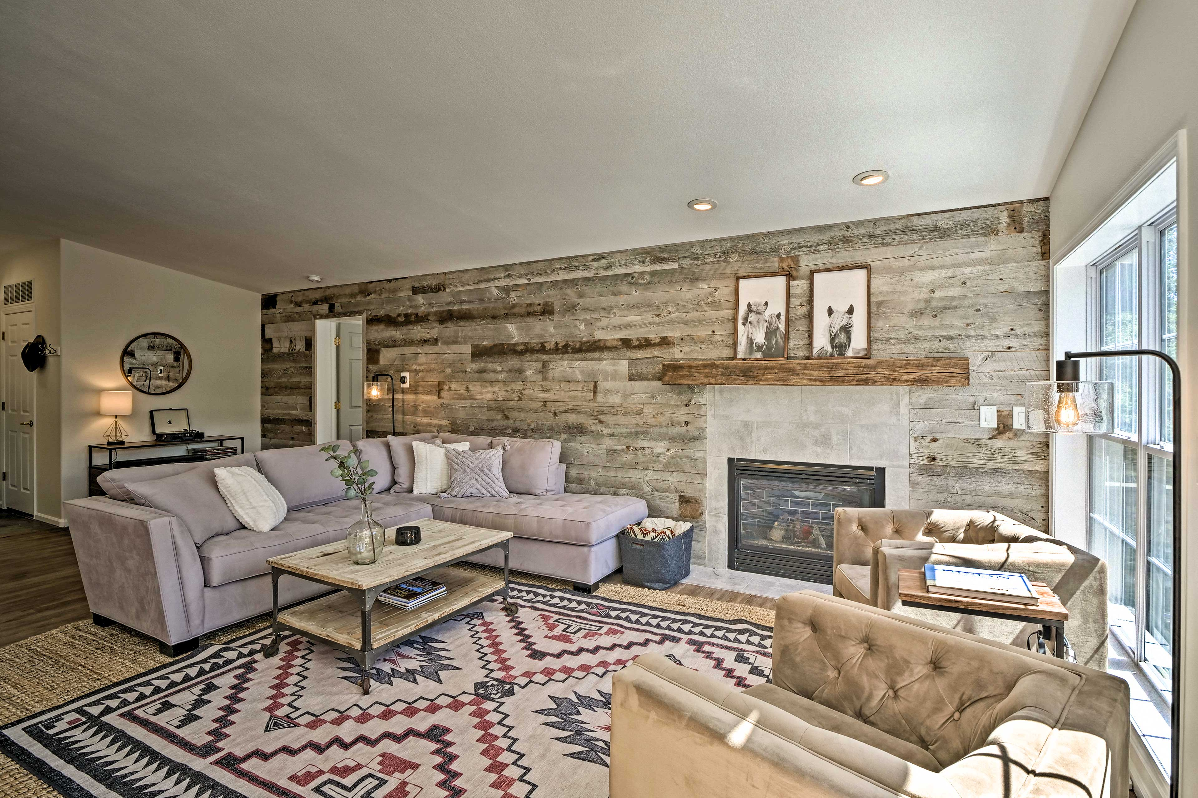 Living Room   Gas Fireplace   Record Player