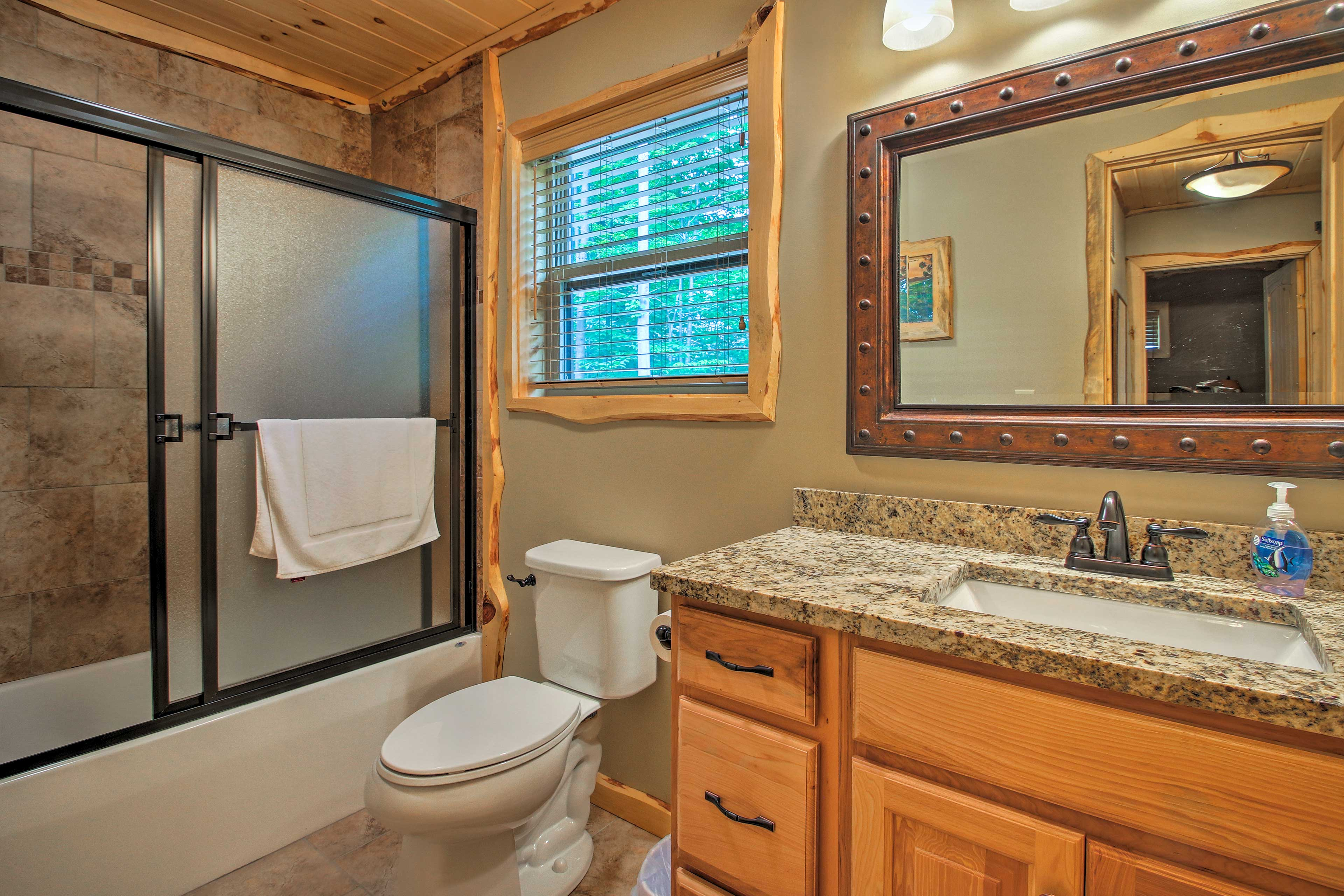 After a day on the mountain, enjoy a cleansing shower in the full bathroom.