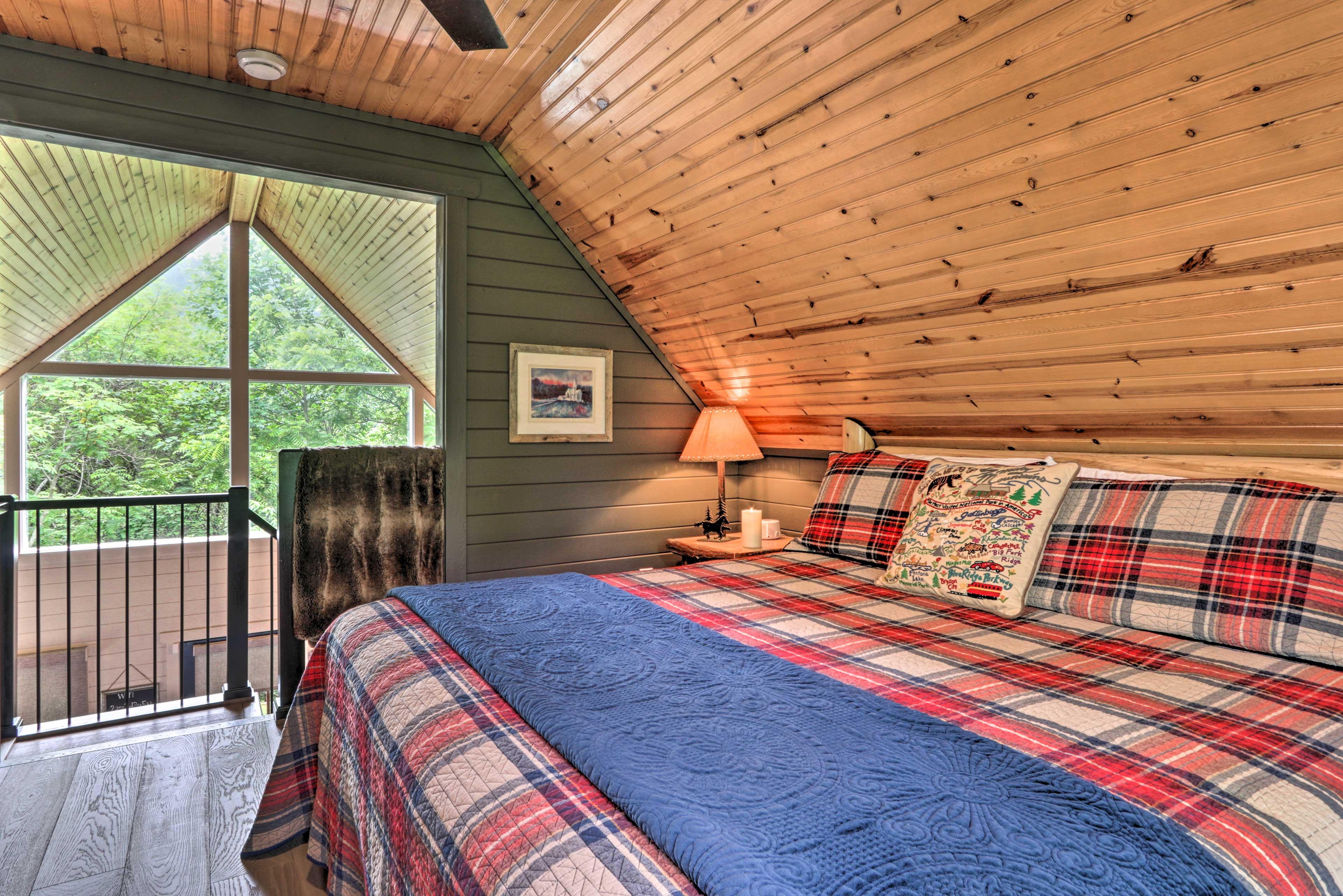 Bedroom 2 (Loft)   Steps Required