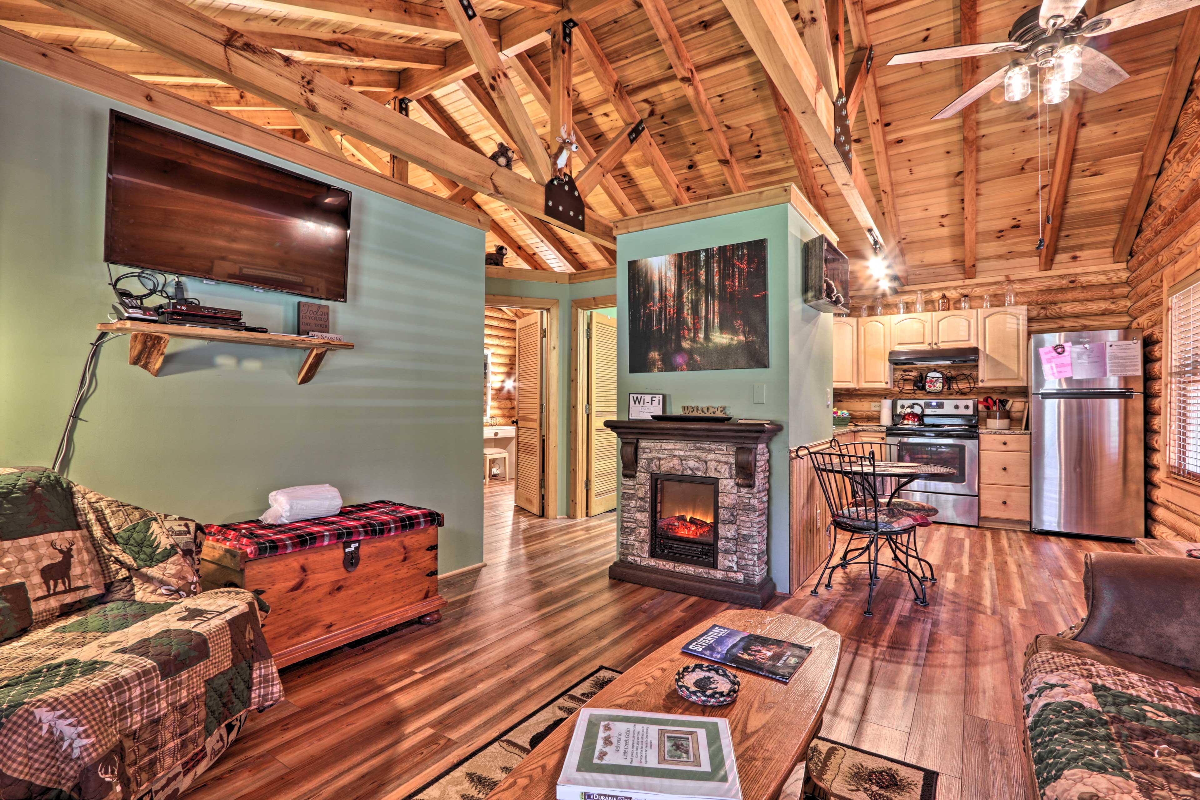 Living Room   Smart TV   Free WiFi