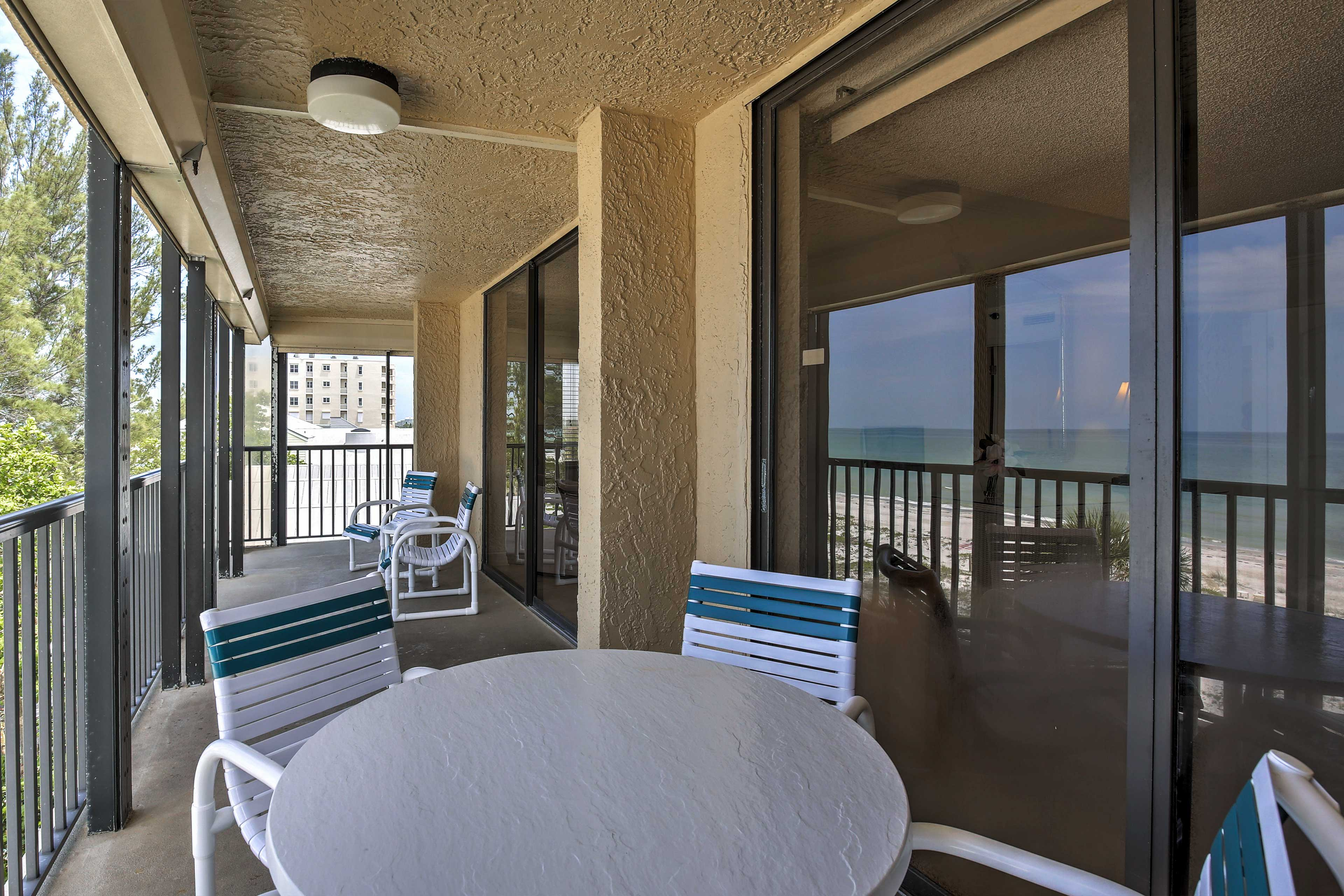 Dine al fresco on the furnished balcony.