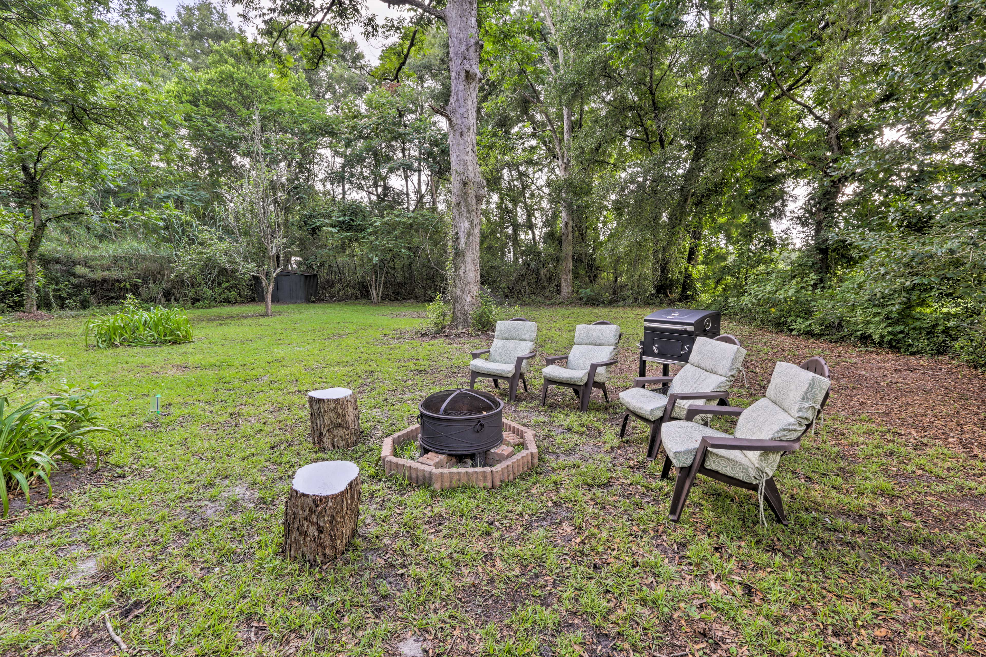 This home offers ideal outdoor amenities, including a fire pit!