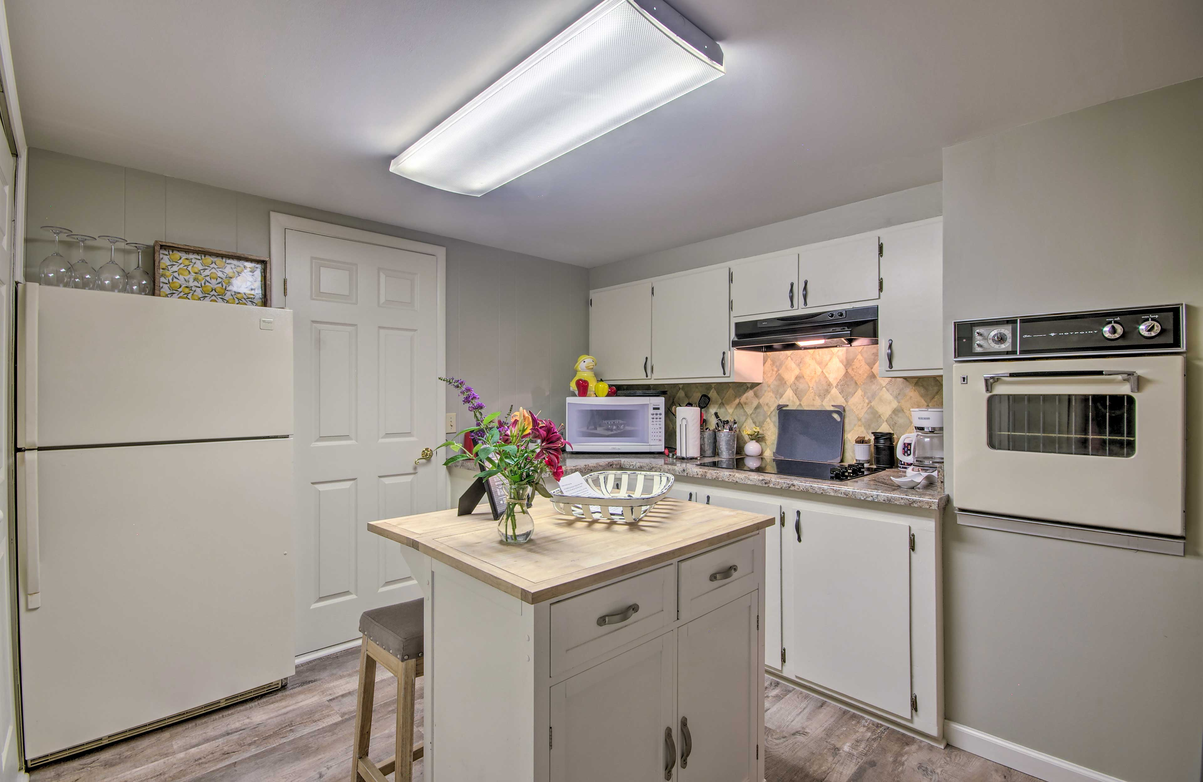 The kitchen has plenty of space to snack!