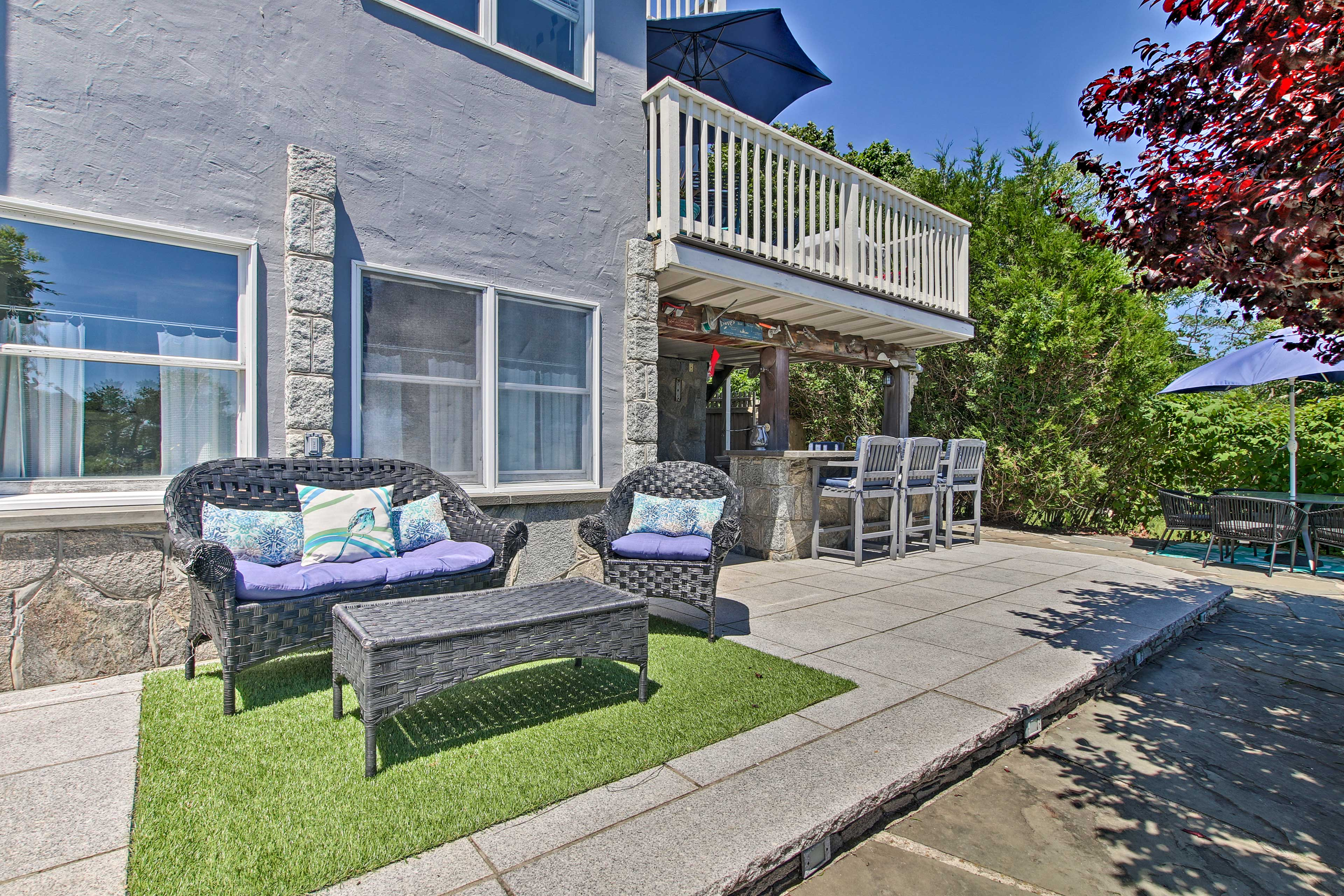 Bring cocktails and appetizers to this patio.