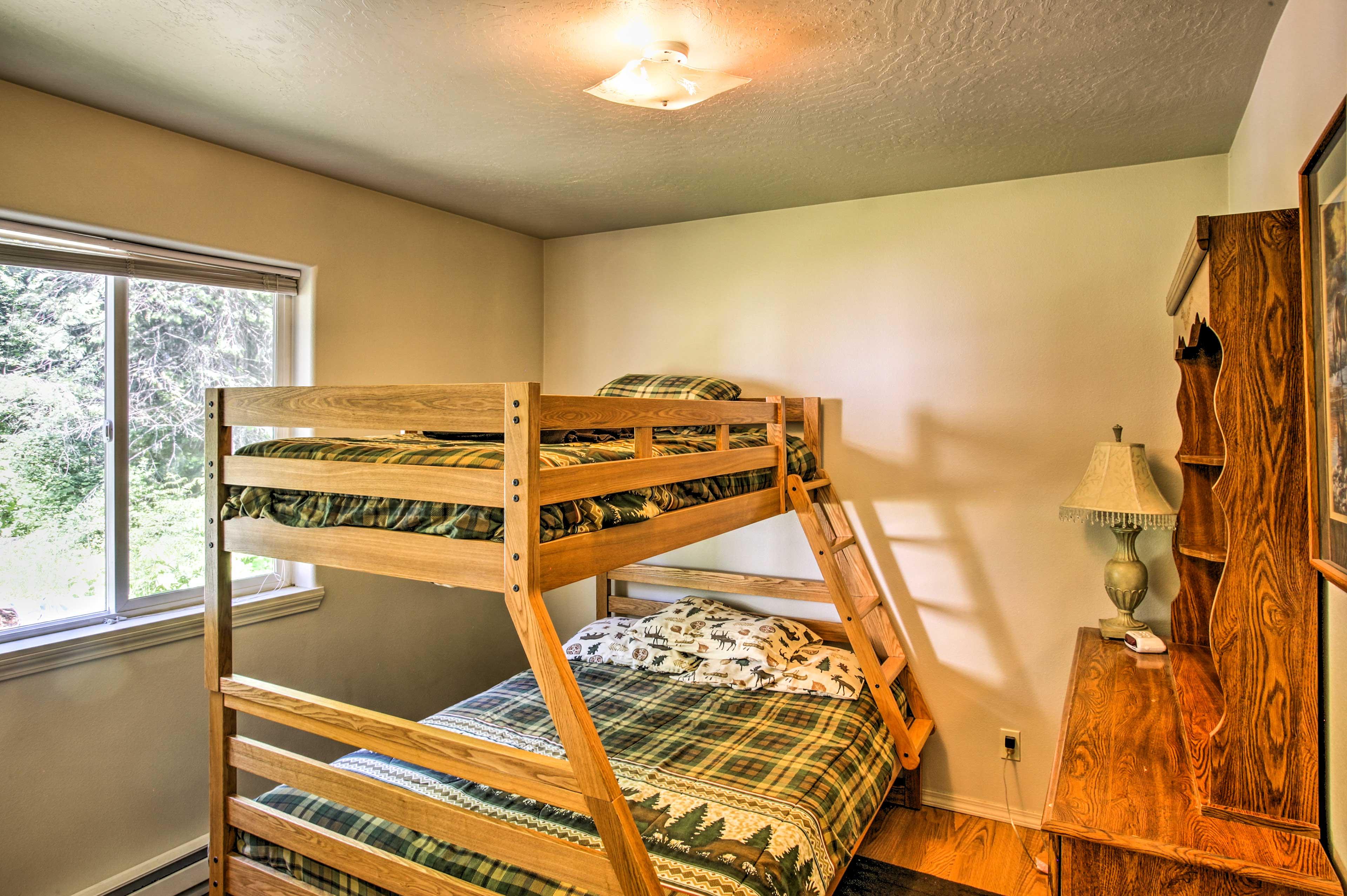 Master Bedroom   Full Bed
