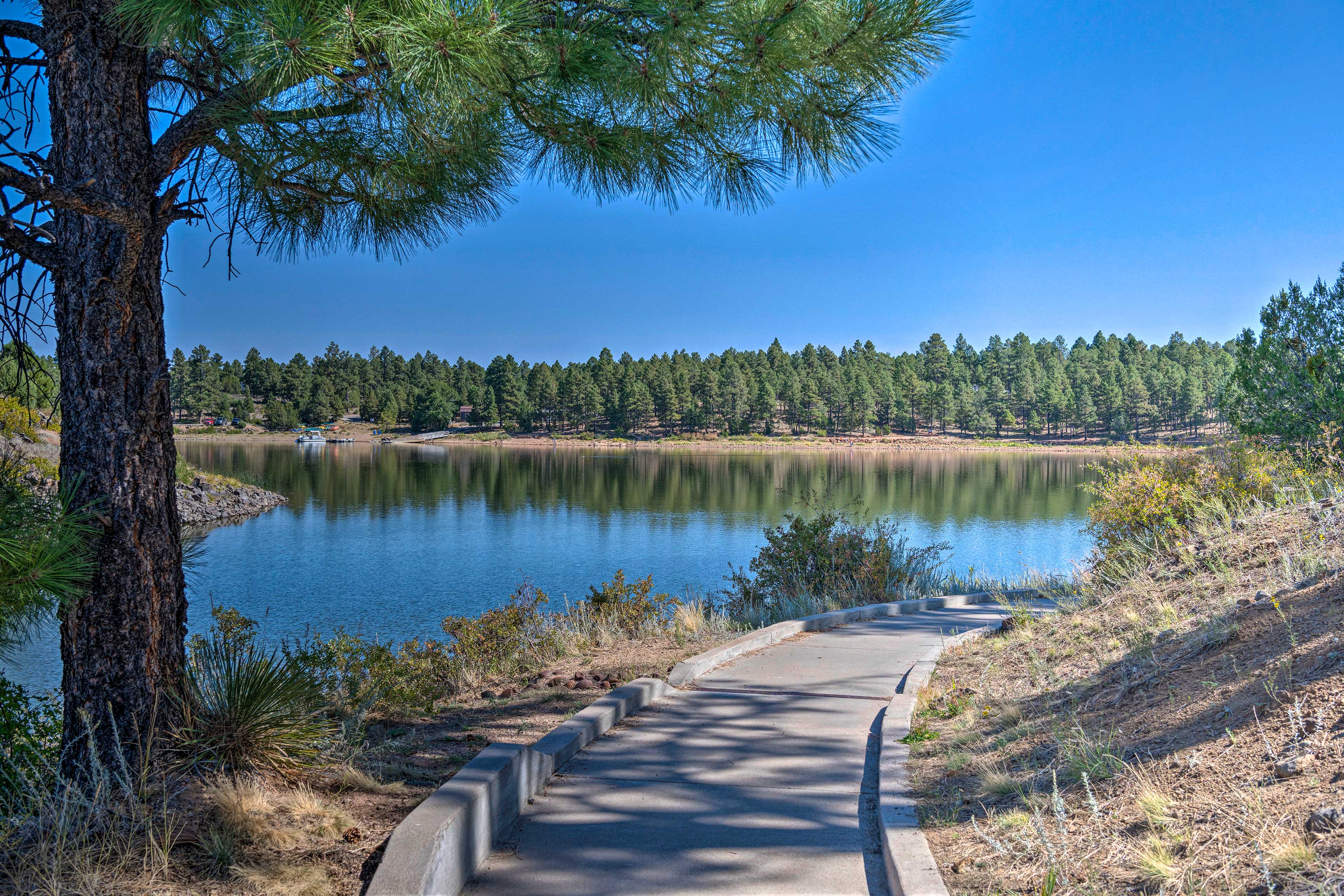 The park offers a 150-acre lake and breathtaking scenery.