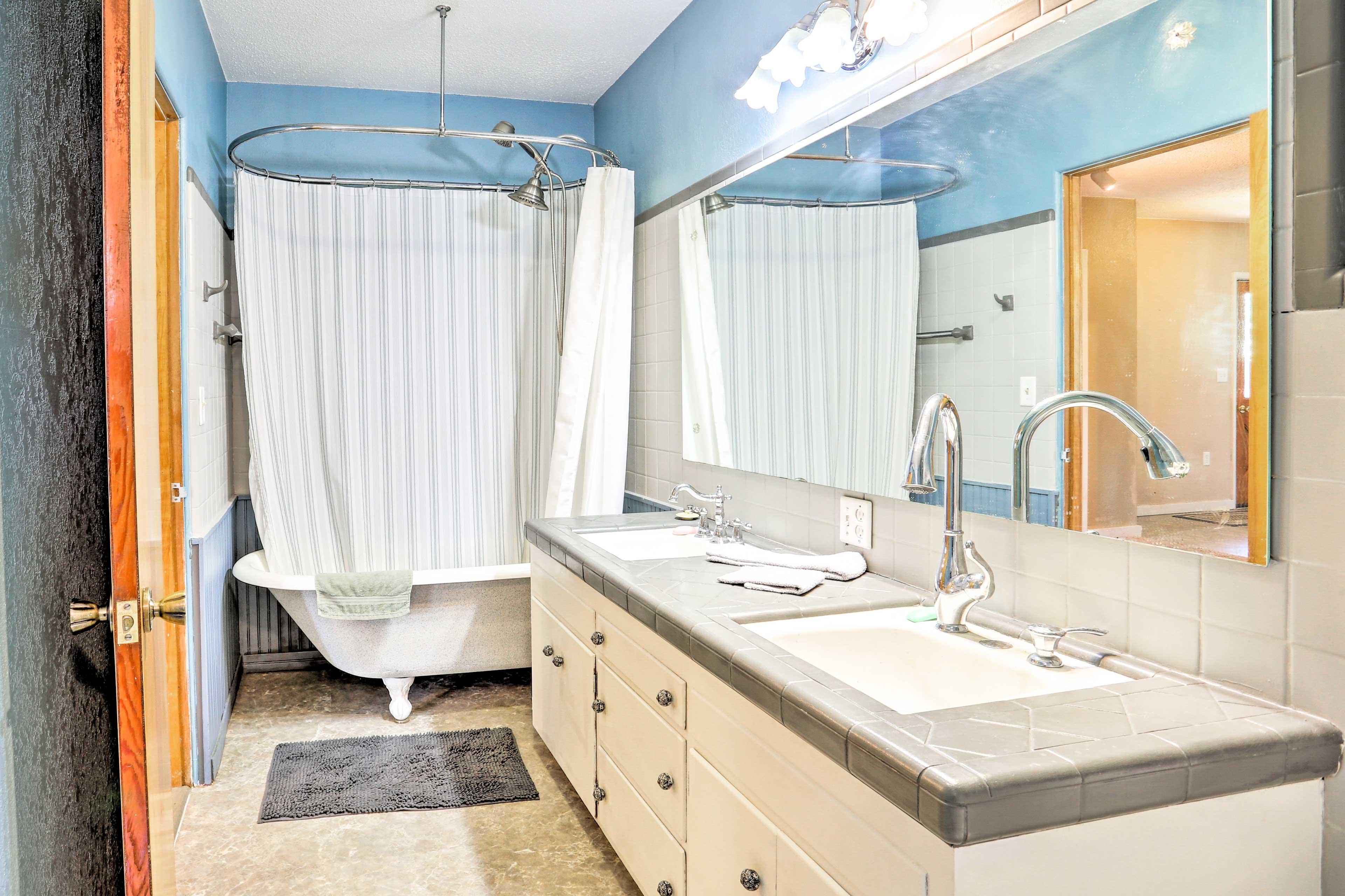 Sink into a hot bath in the clawfoot tub.