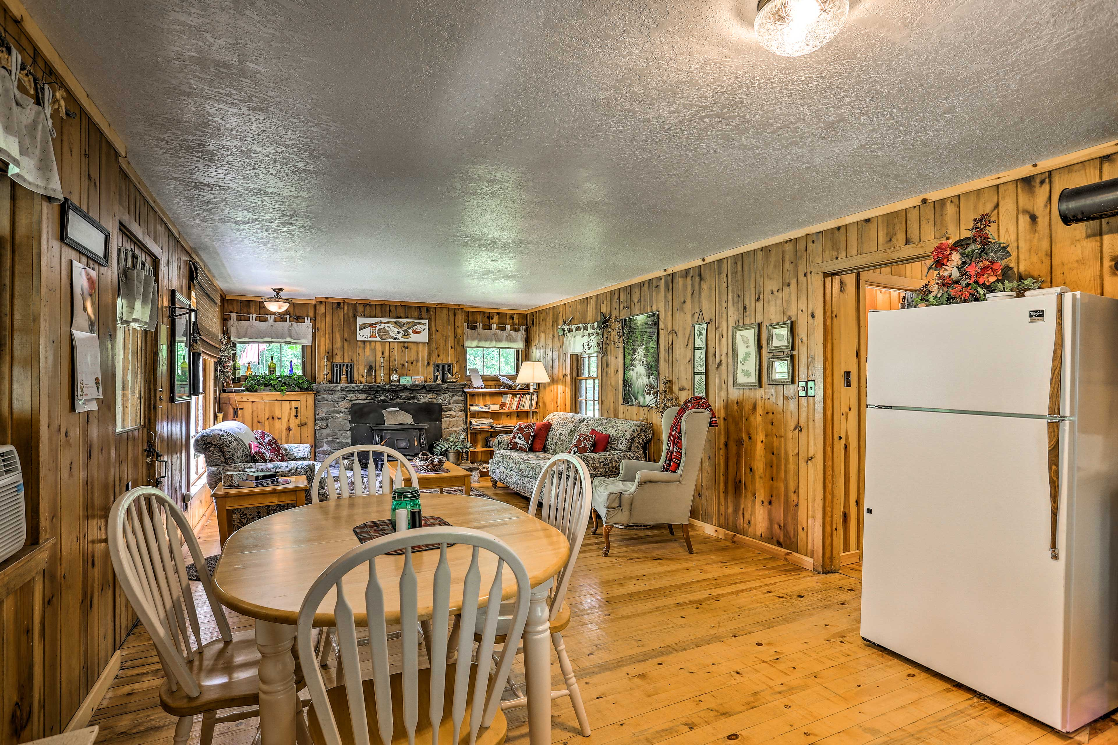 This property accommodates up to 8 guests.