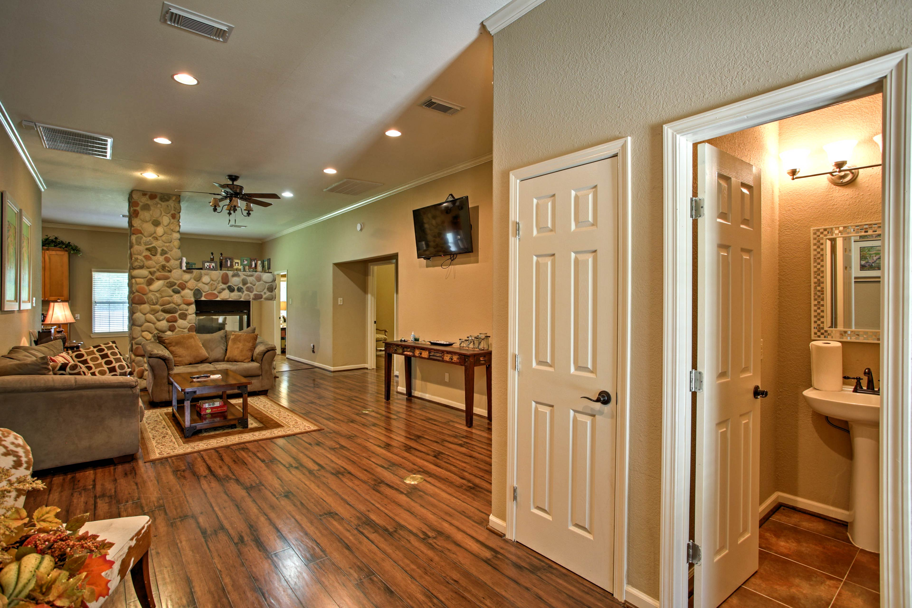 There's plenty of space for everyone in this living room!