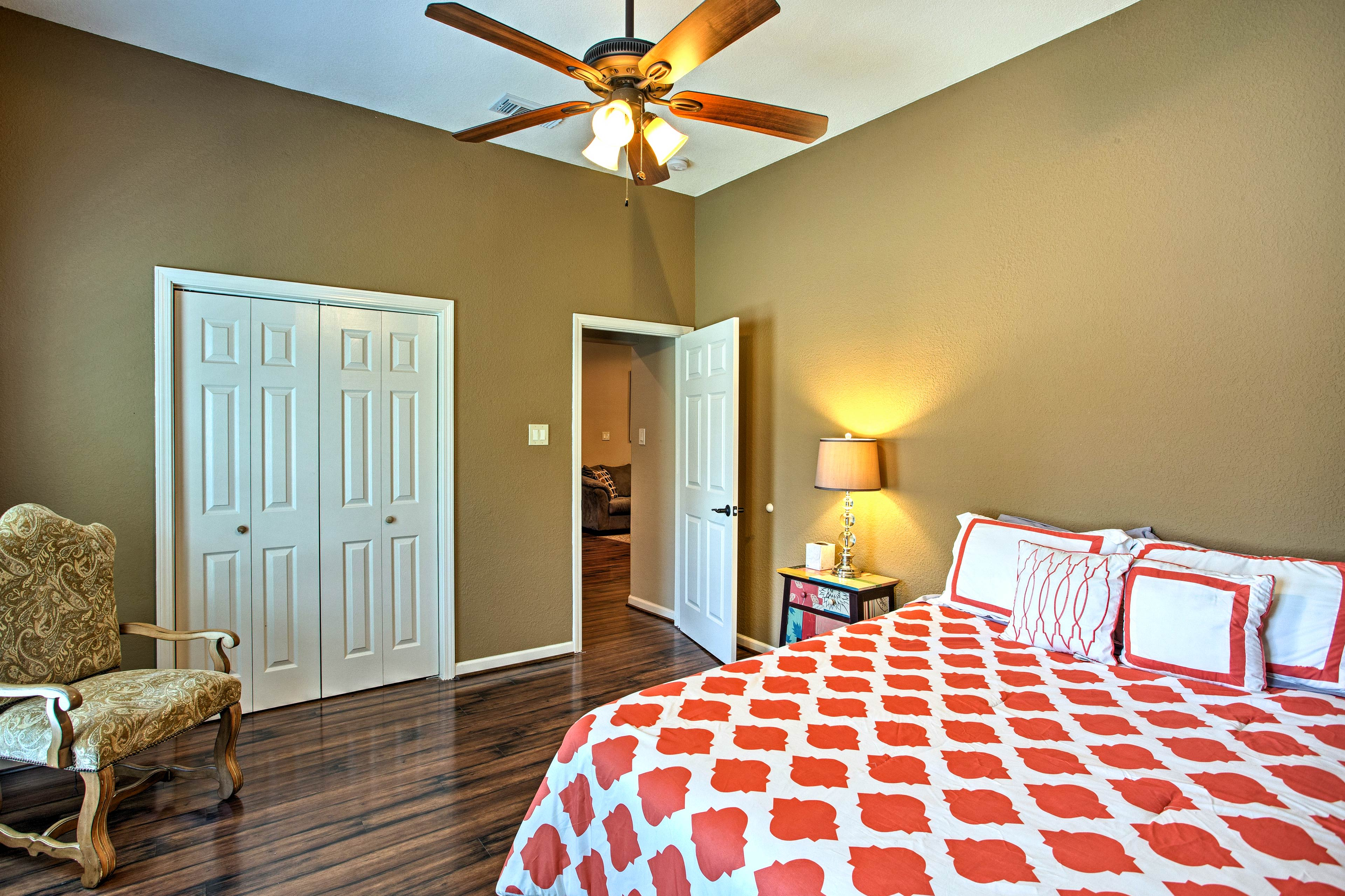 Keep things cool with the ceiling fan and central AC.