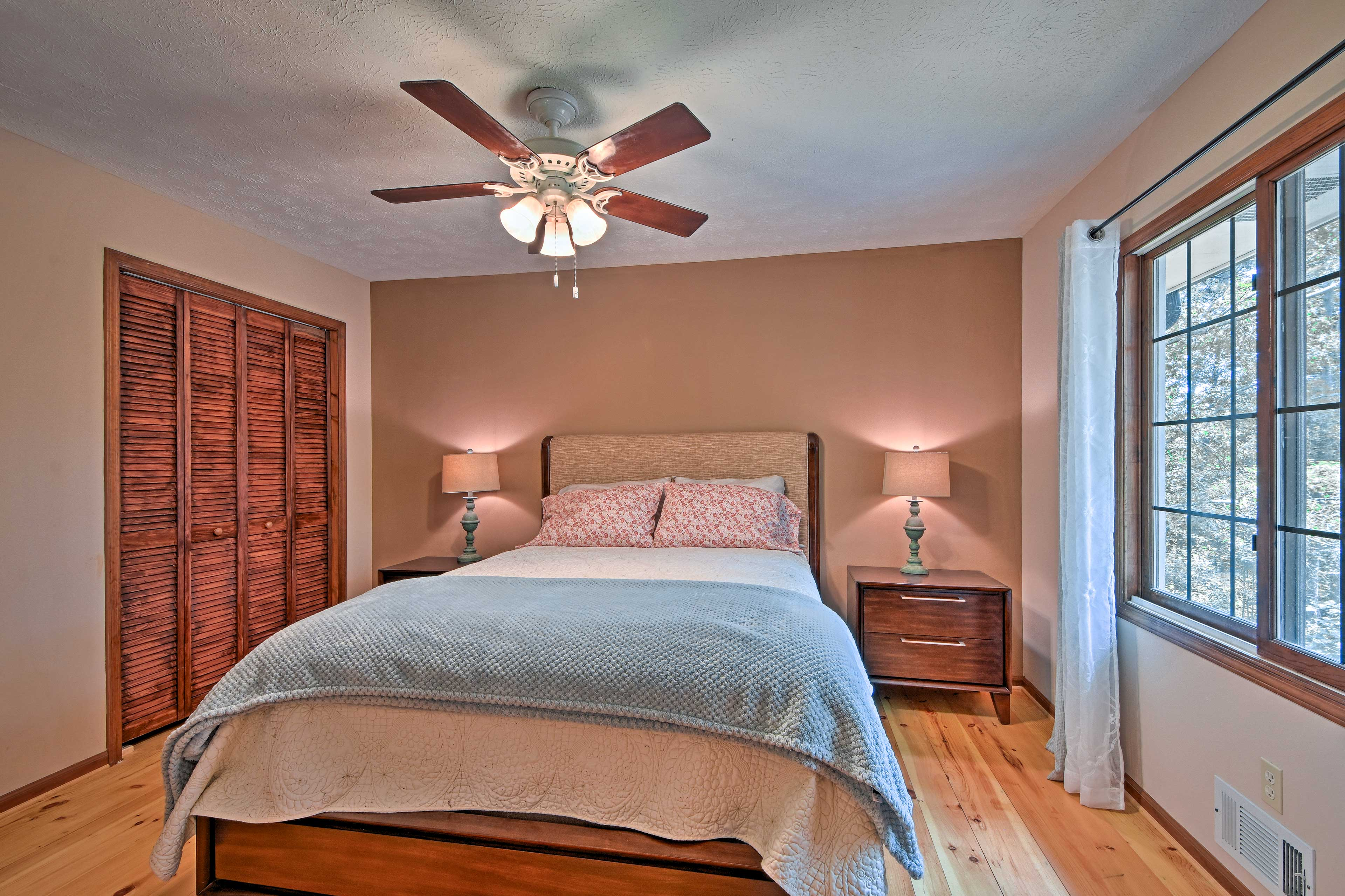 Crawl into this queen bed each night for a blissful slumber.