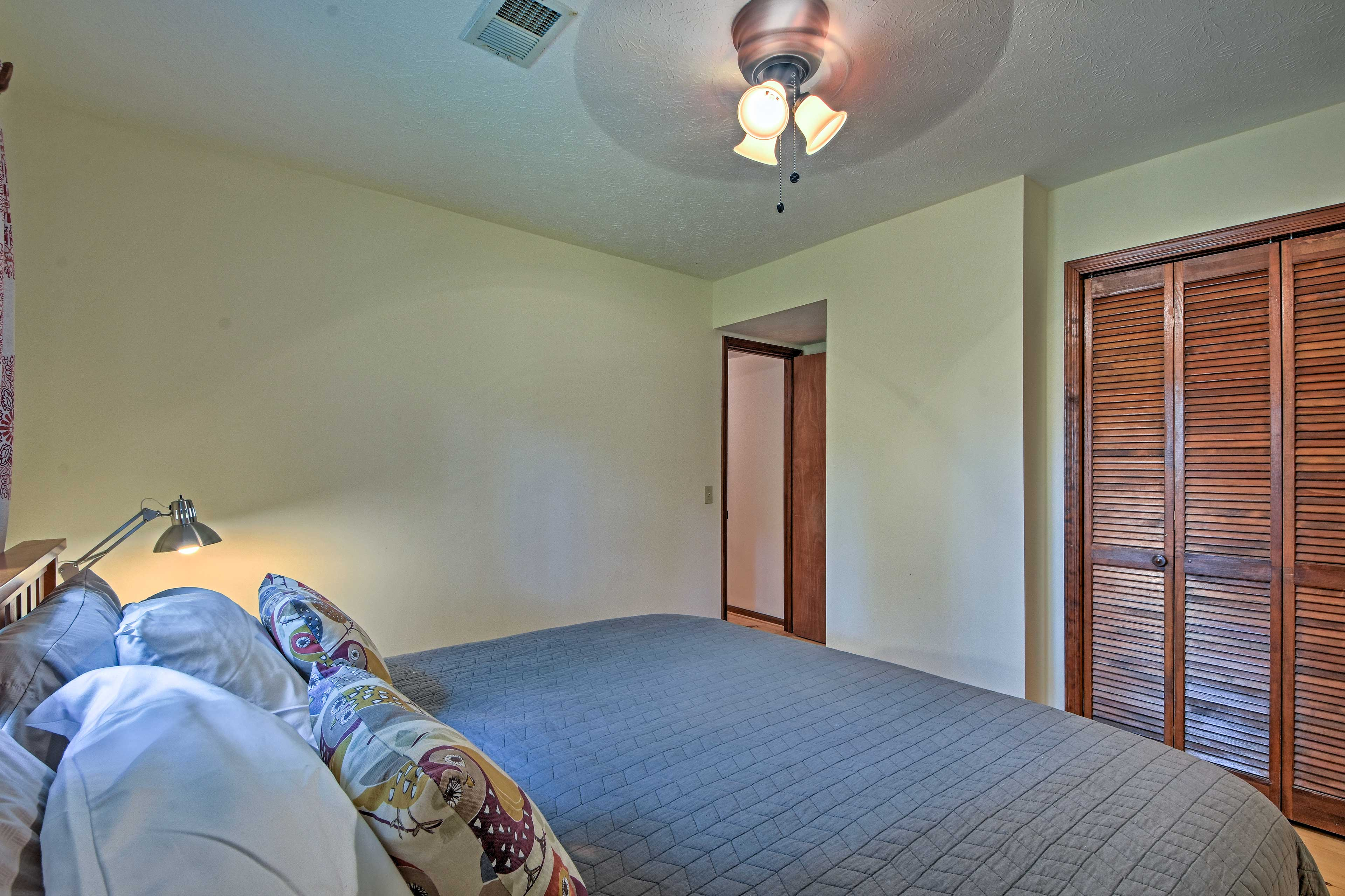 The bedroom promises restful sleep no matter how you configure the beds!