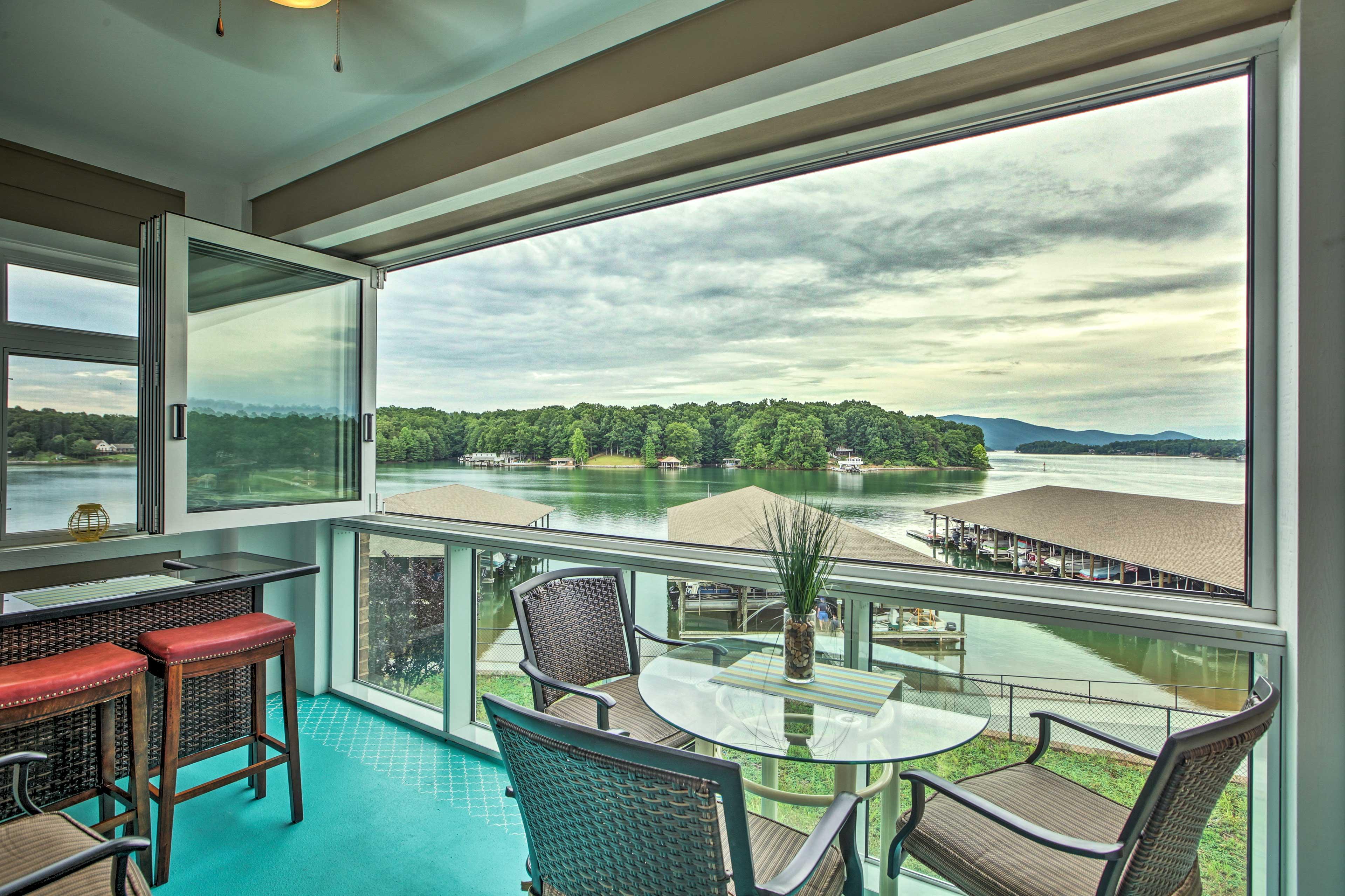 Enjoy lake and mountain views from this Huddleston vacation rental condo.