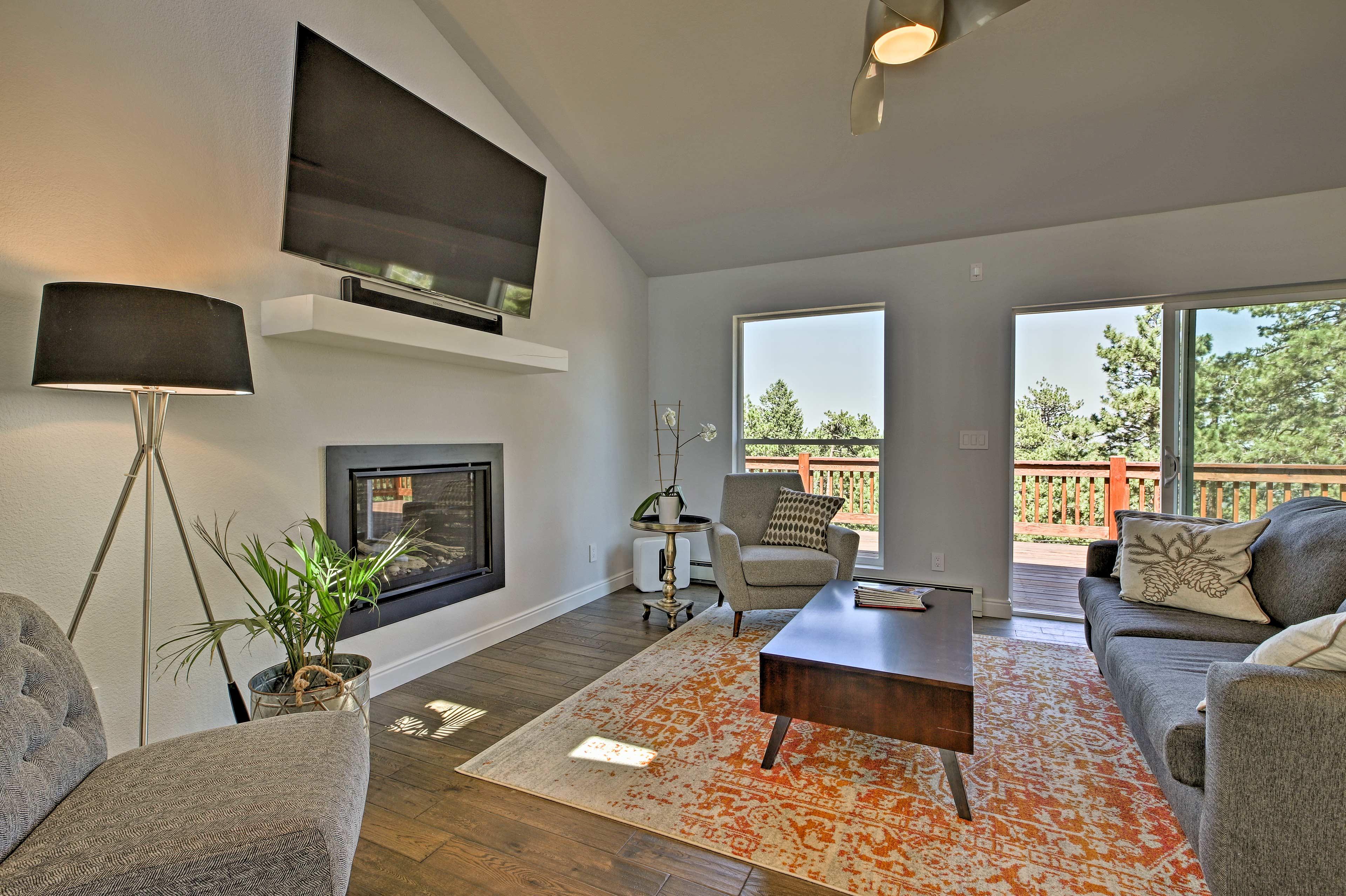 Book your Colorado mountain escape to this 3-bed, 2.5-bath vacation rental!