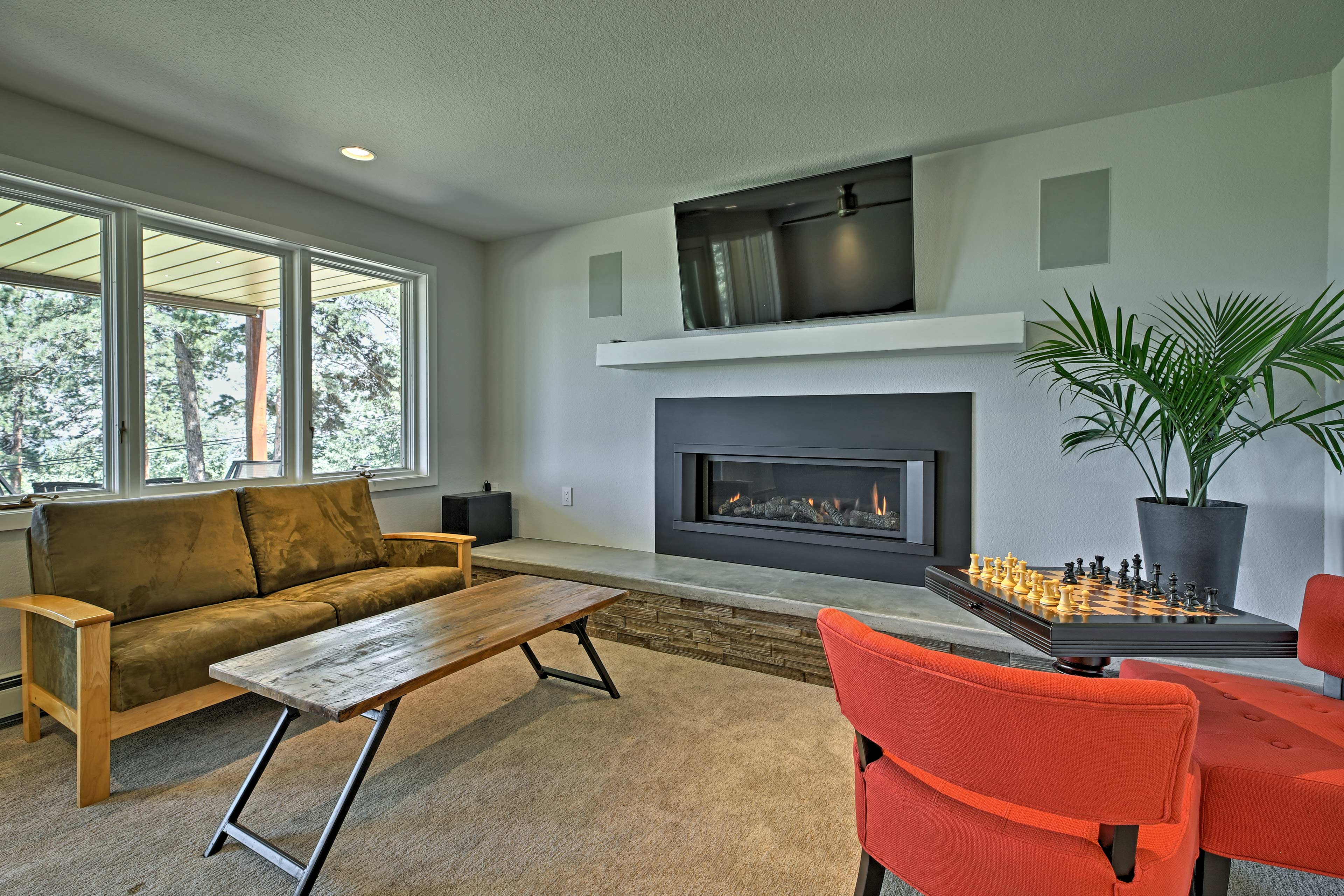 Relax with your crew of 8 and enjoy the brand new mid-century modern interior.