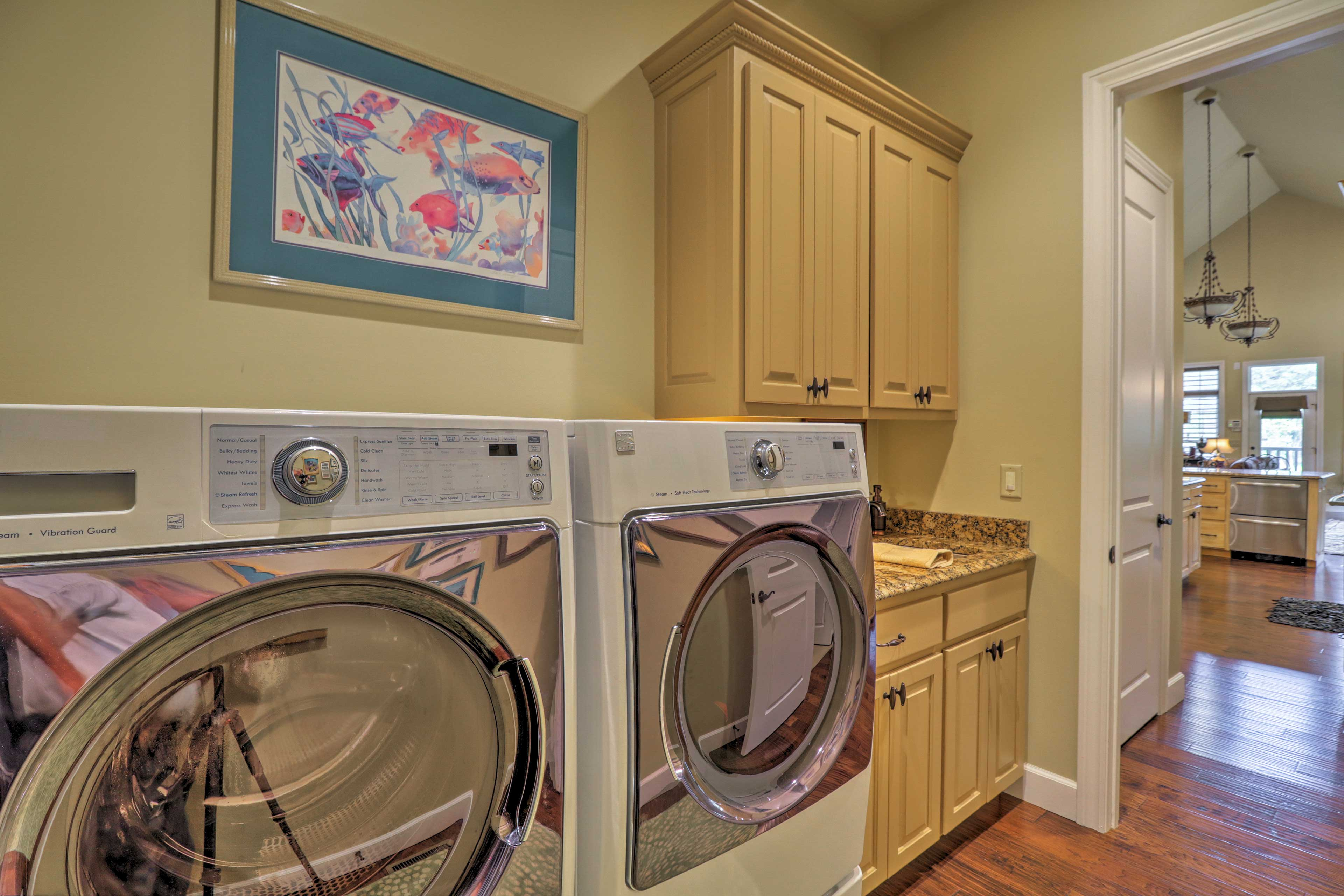 Keep your wardrobe fresh and clean with in-unit laundry machines.
