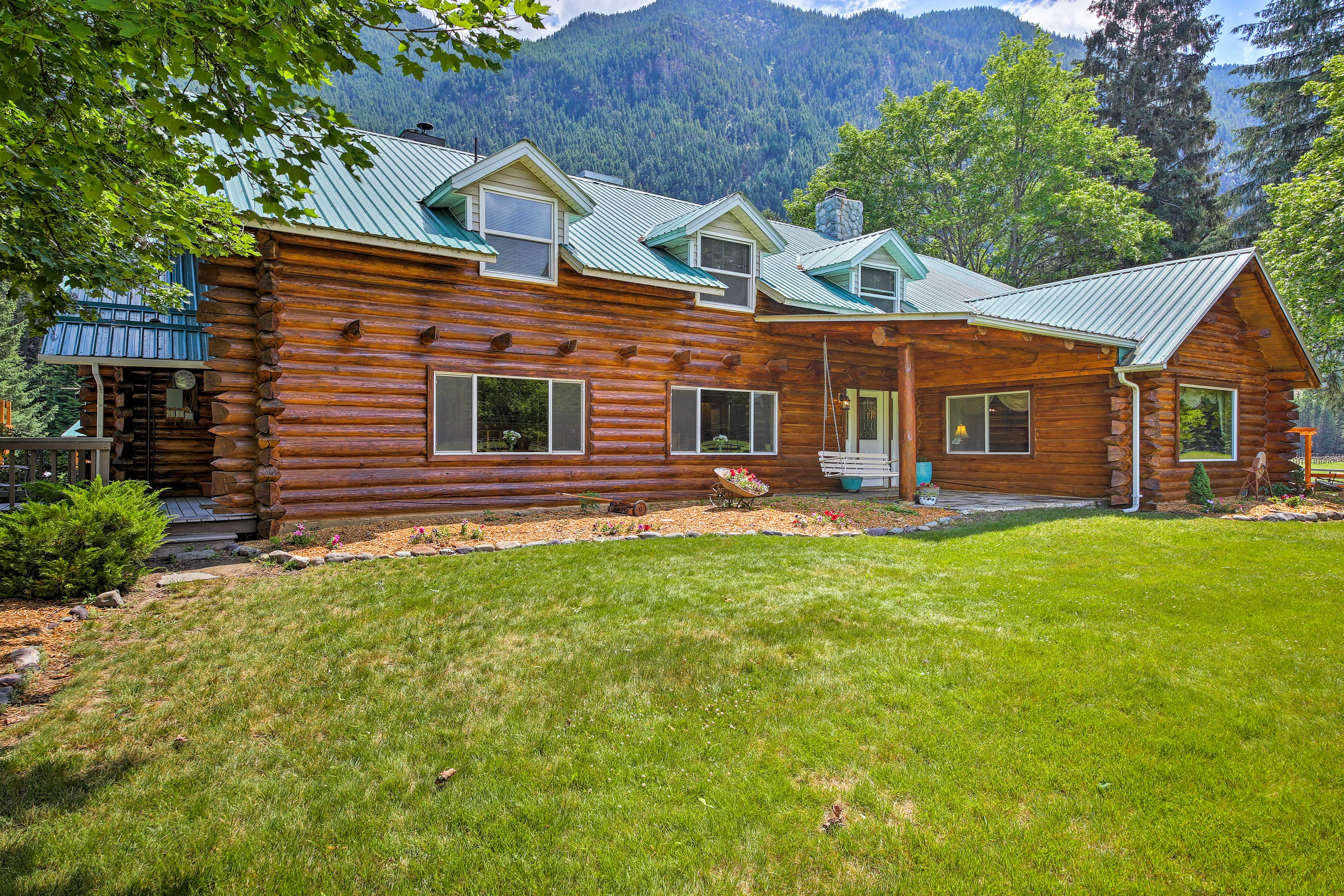 Your Troy getaway begins at this 7-bed, 5.5-bath vacation rental house!