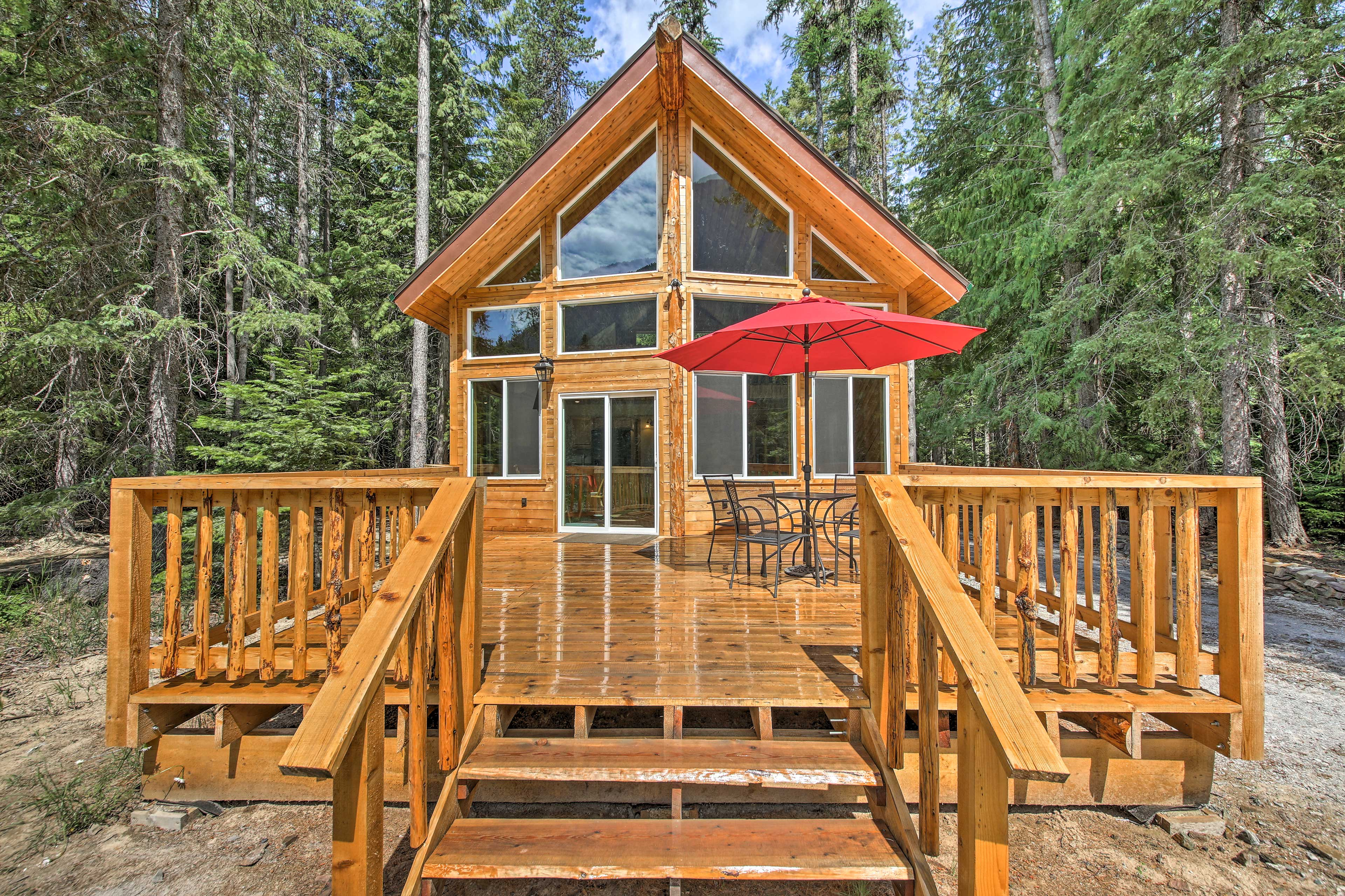 This lovely 1-bed, 1-bath, plus loft, vacation rental cabin awaits!
