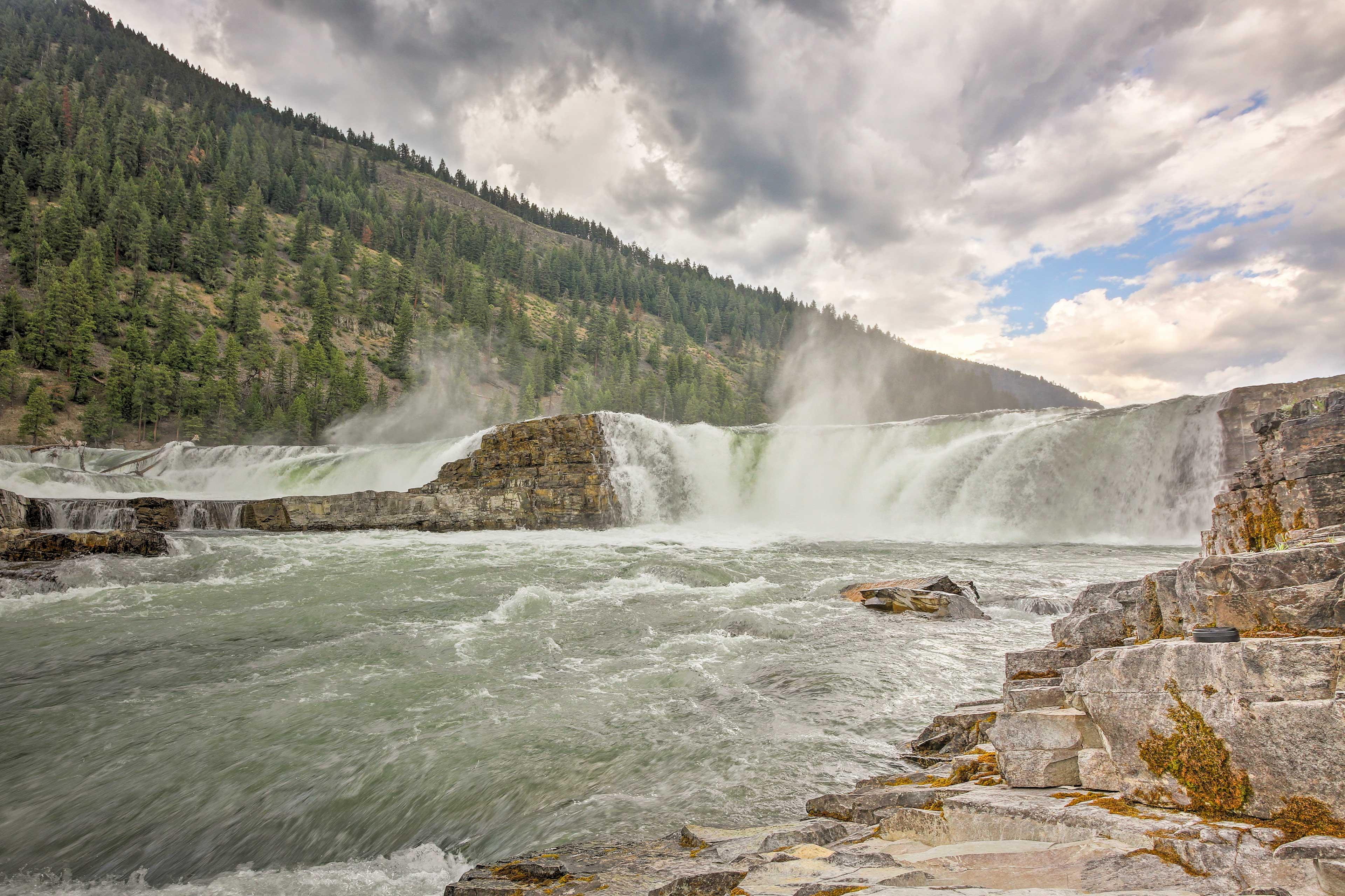 Take scenic hikes to discover majestic waterfalls in the Kootenai area.