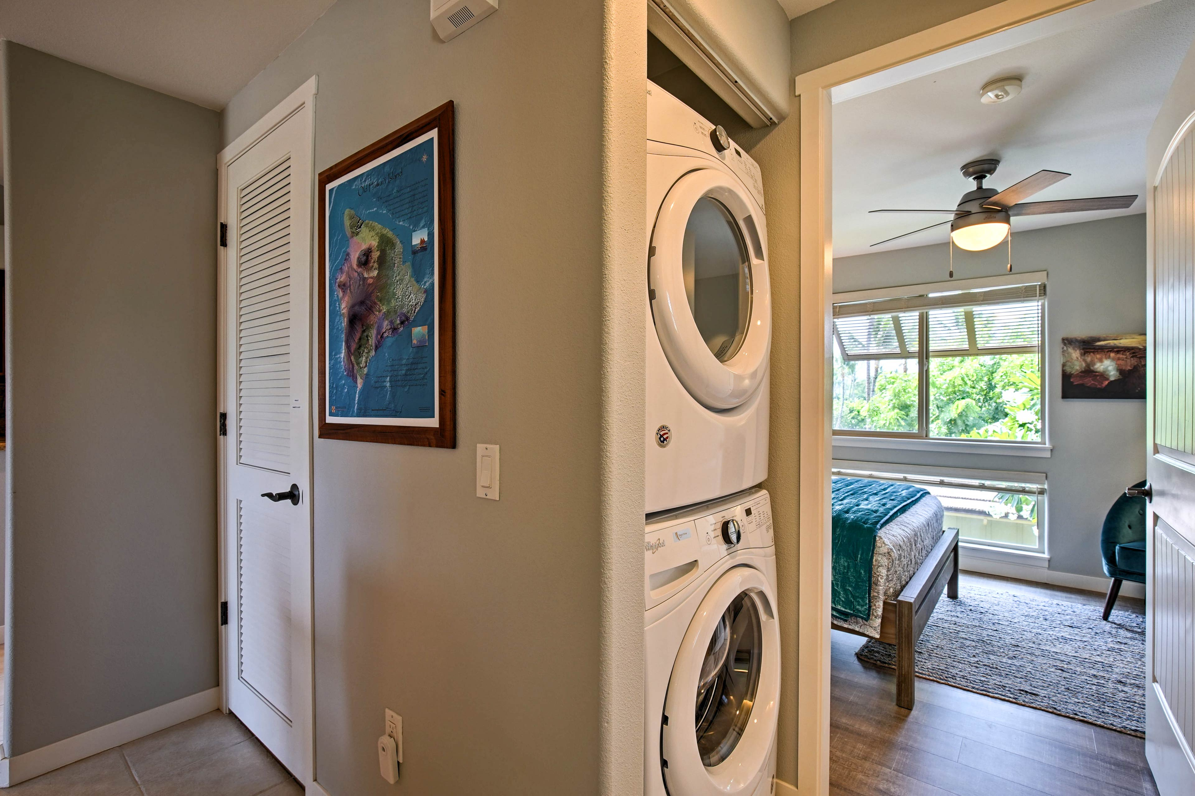 Keep your wardrobe spotless thanks to in-unit laundry machines.