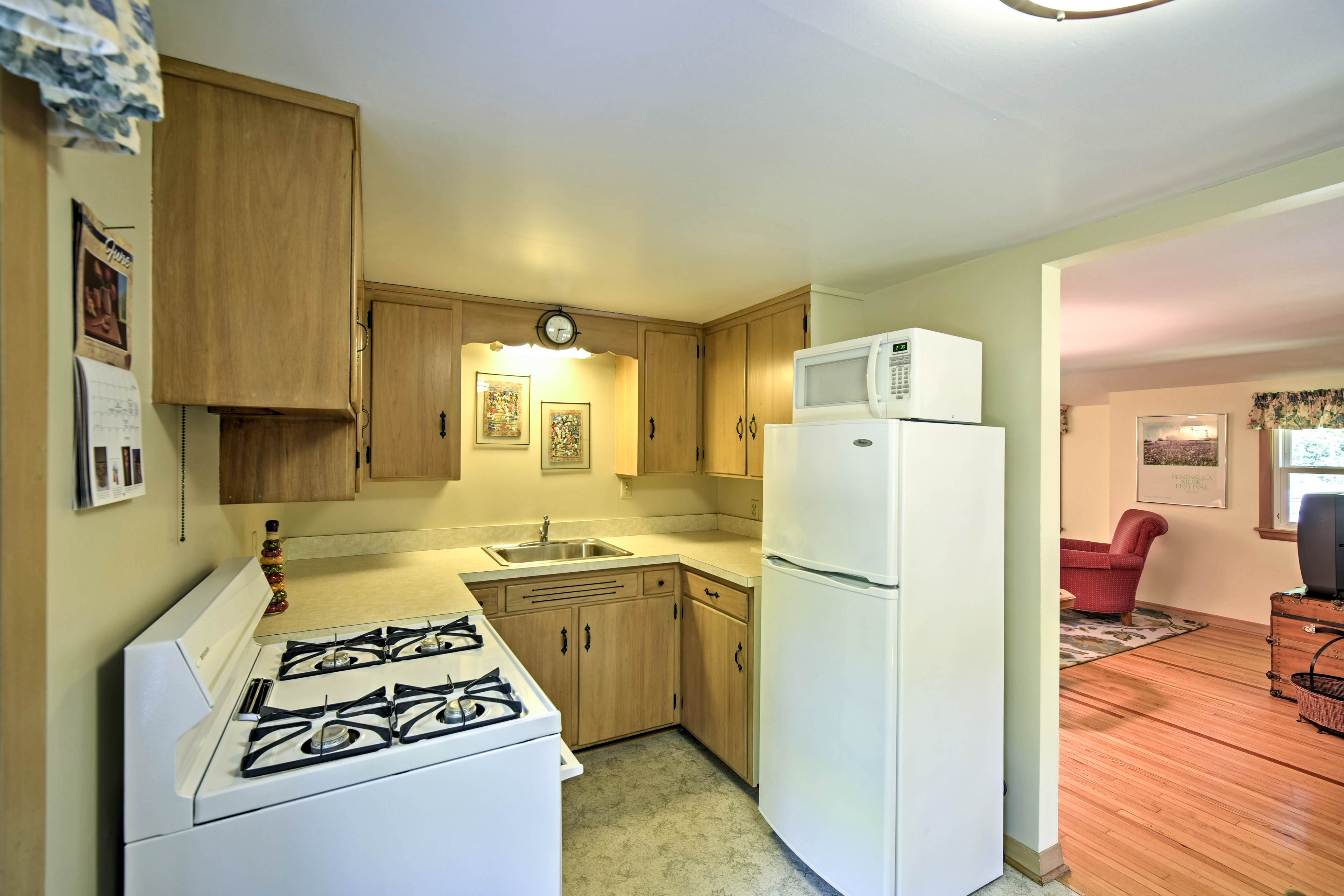 You can prepare family-favorites in the fully equipped kitchen.