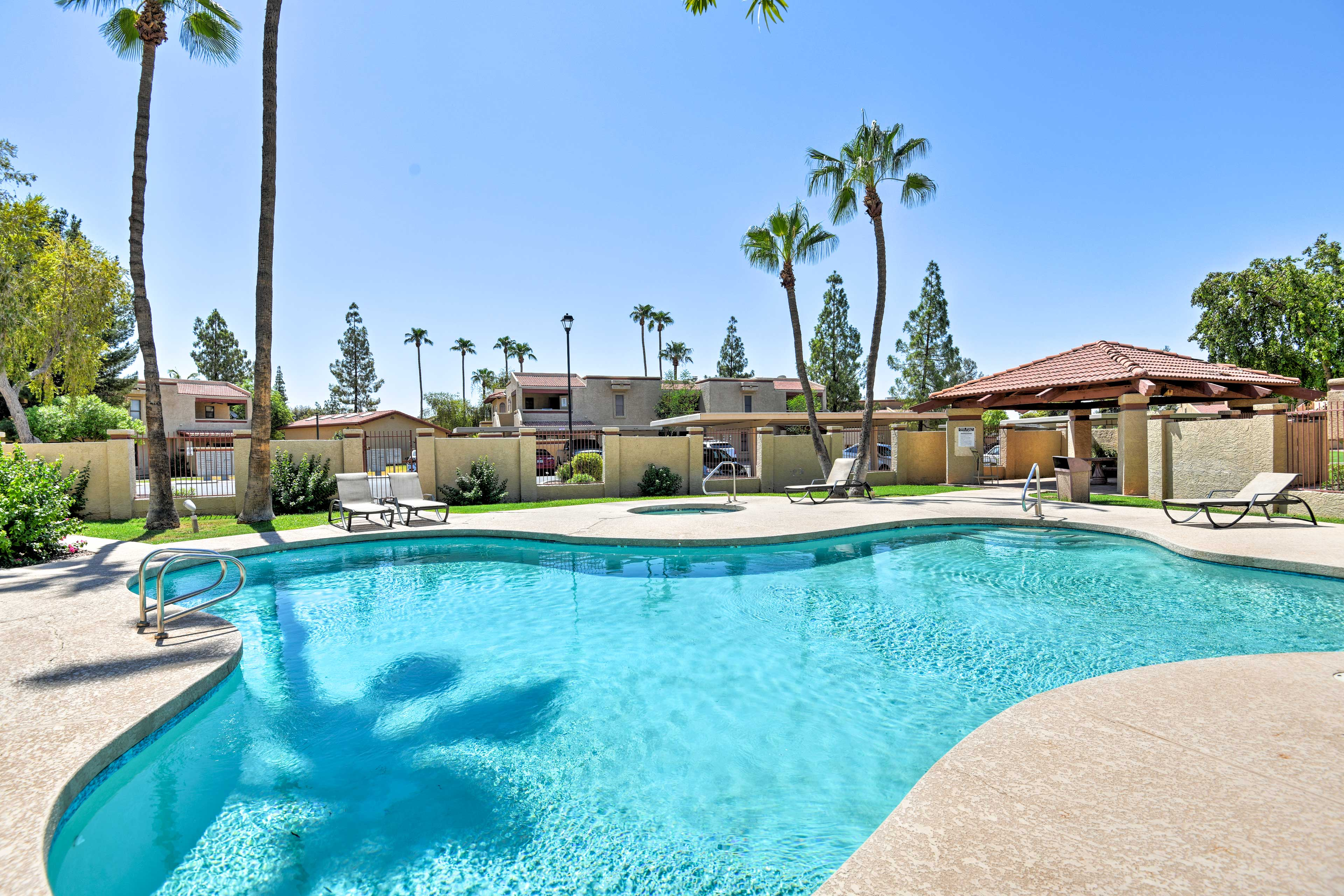 You'll enjoy access to 2 community pools and a hot tub.