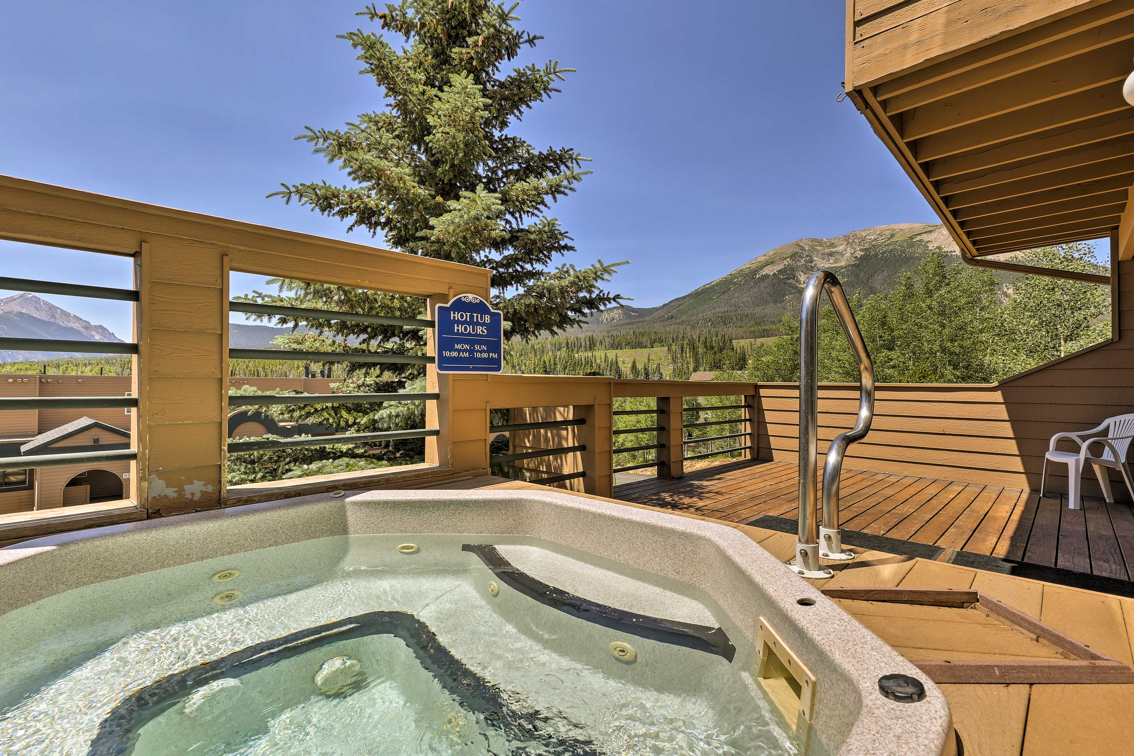With a prime location, hot tub, and mountain views, this place has it all!