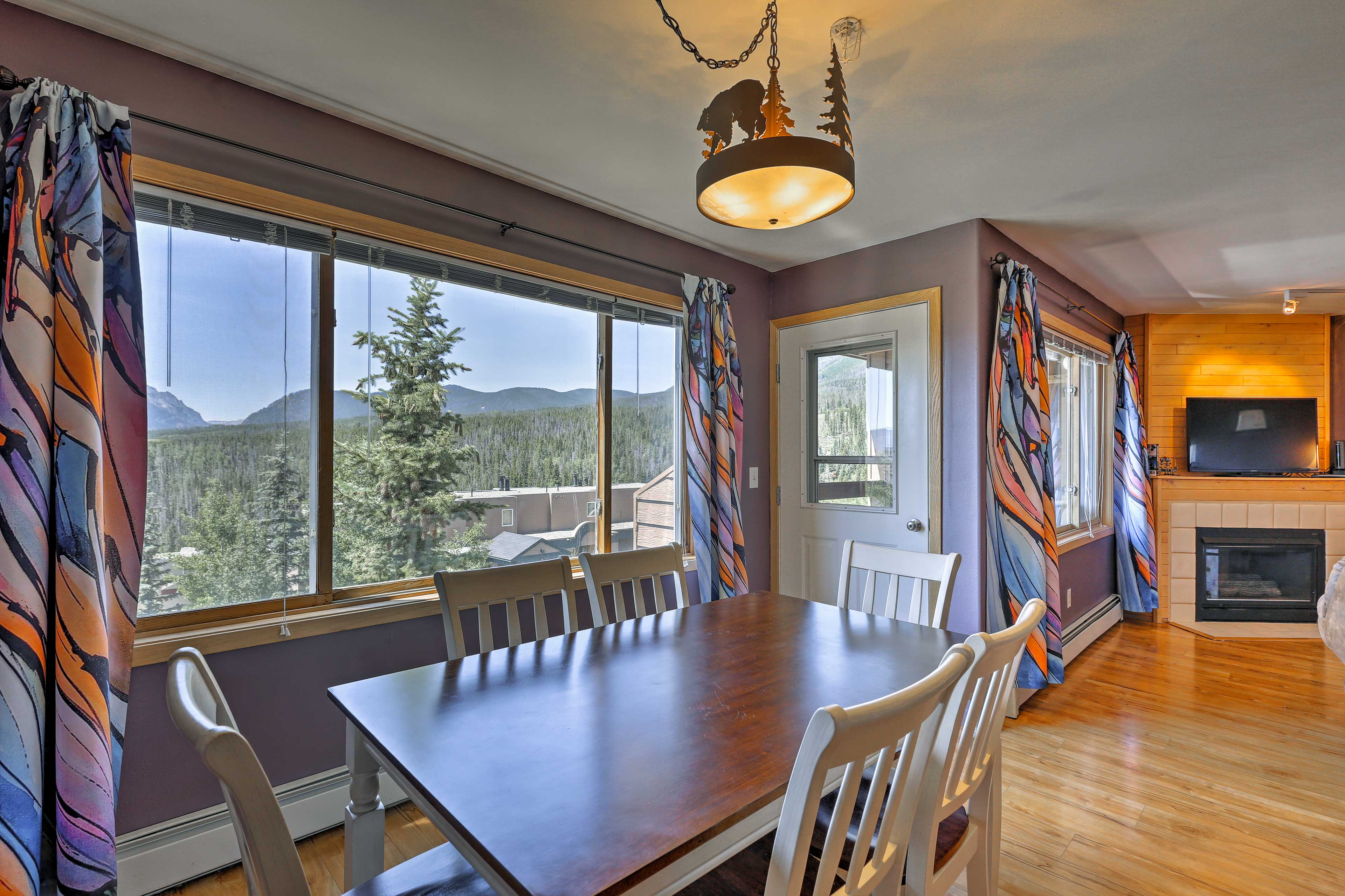 Enjoy dinner with a view at the 6-person table.