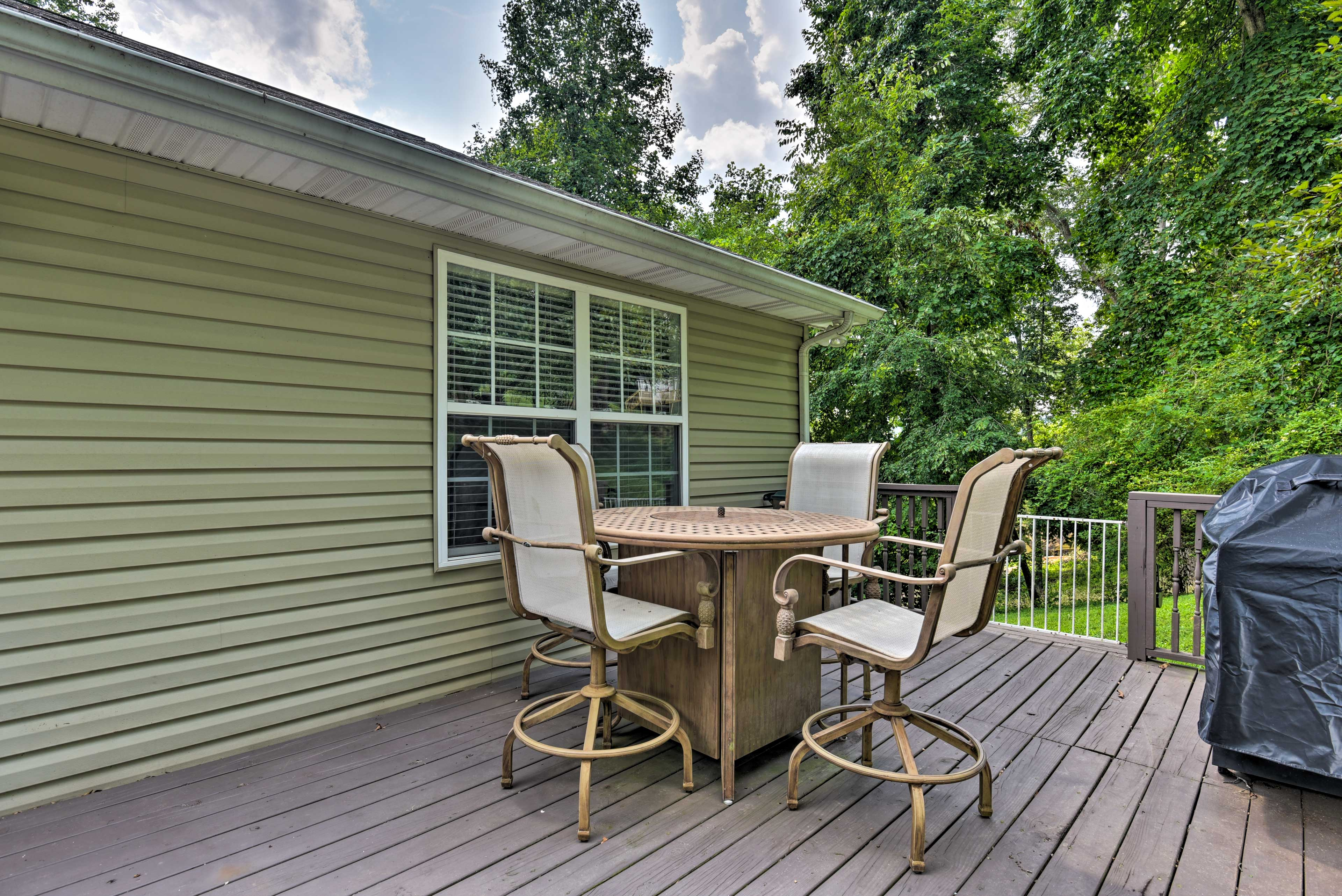 This deck is meant for dining and grilling.