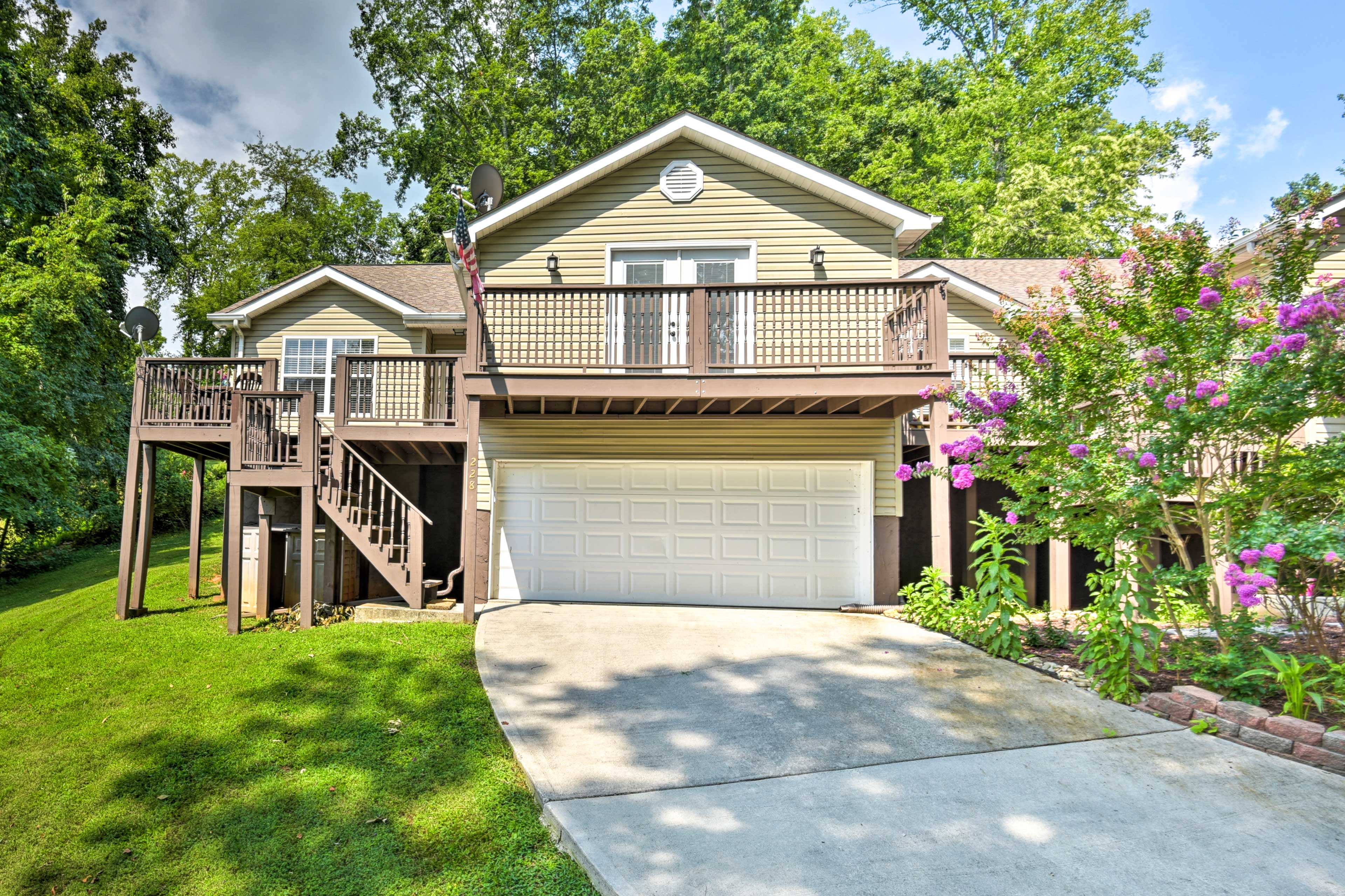 Book an unforgettable getaway to this LaFollette home!