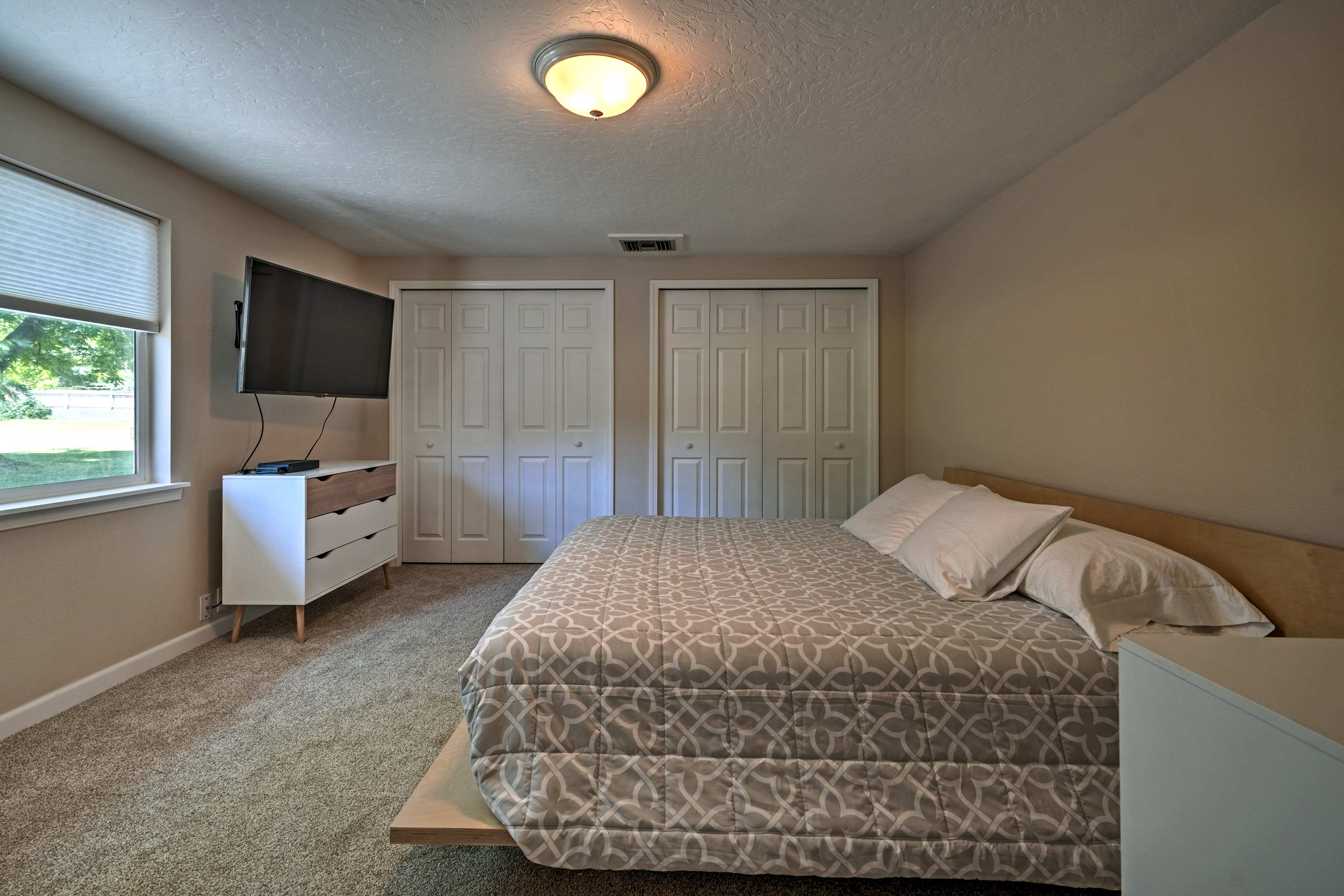 This home boasts 3 comfortable bedrooms.