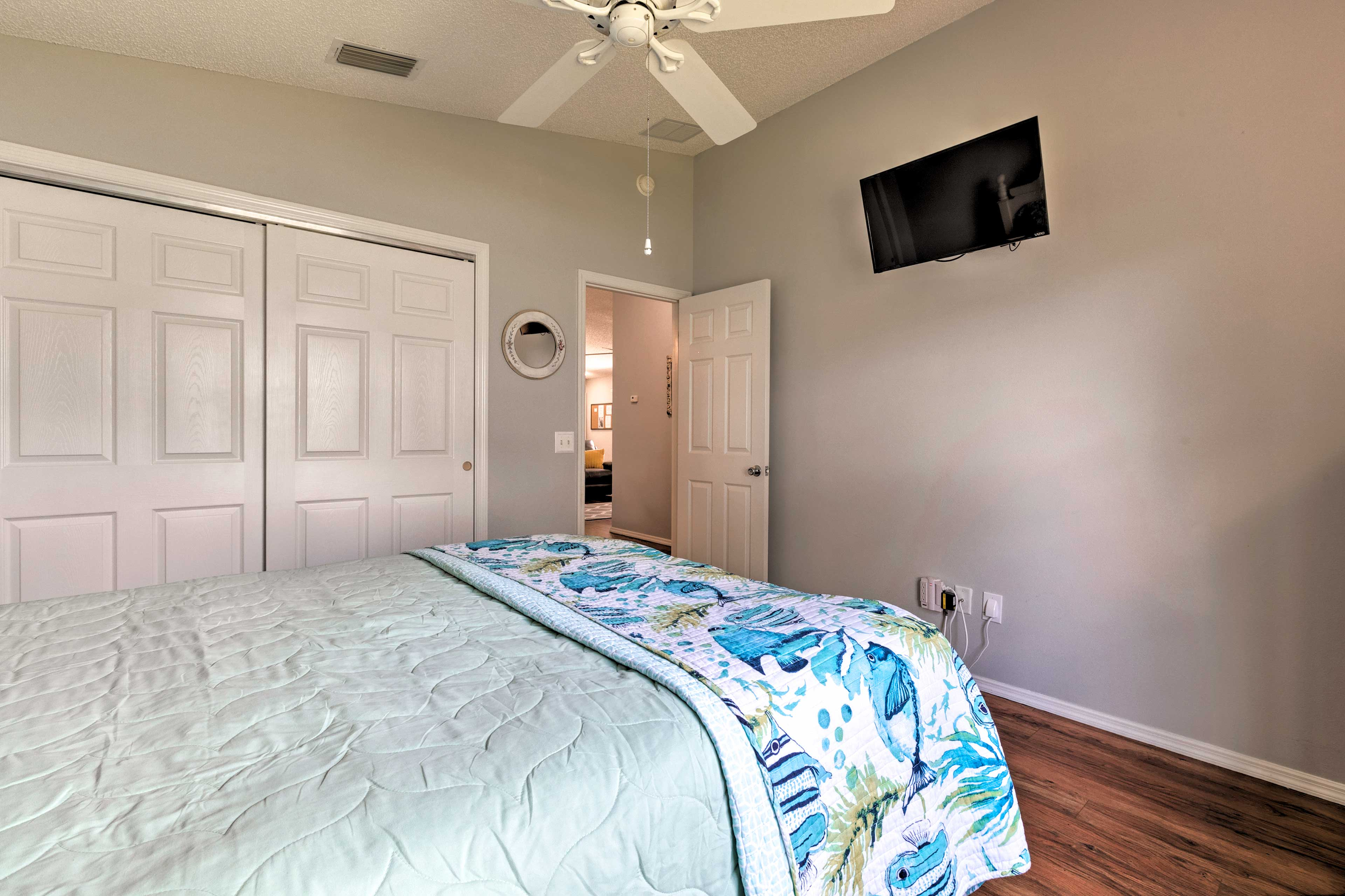 Both bedrooms have flat-screen TVs!