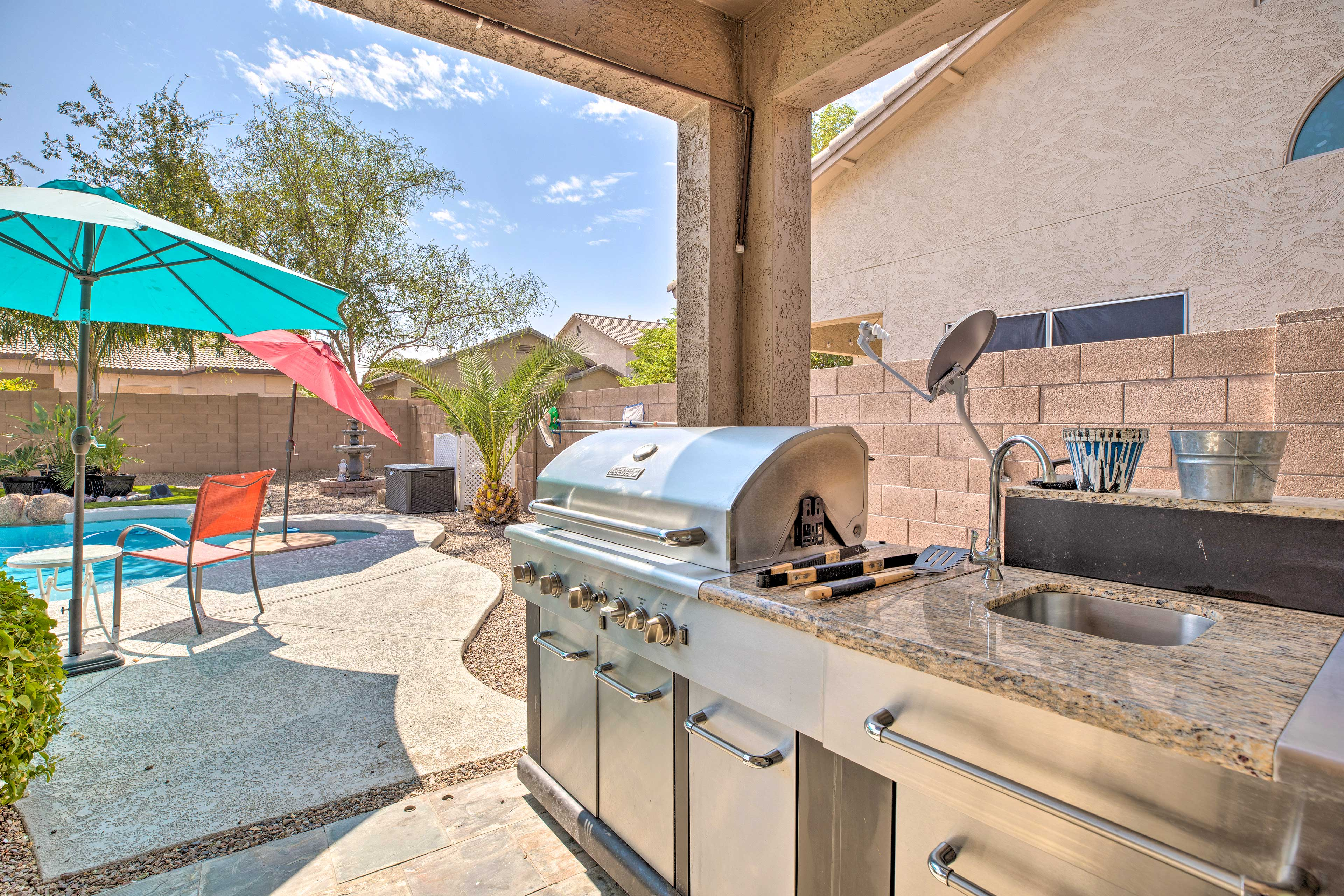 Take full advantage of this gourmet gas grill!