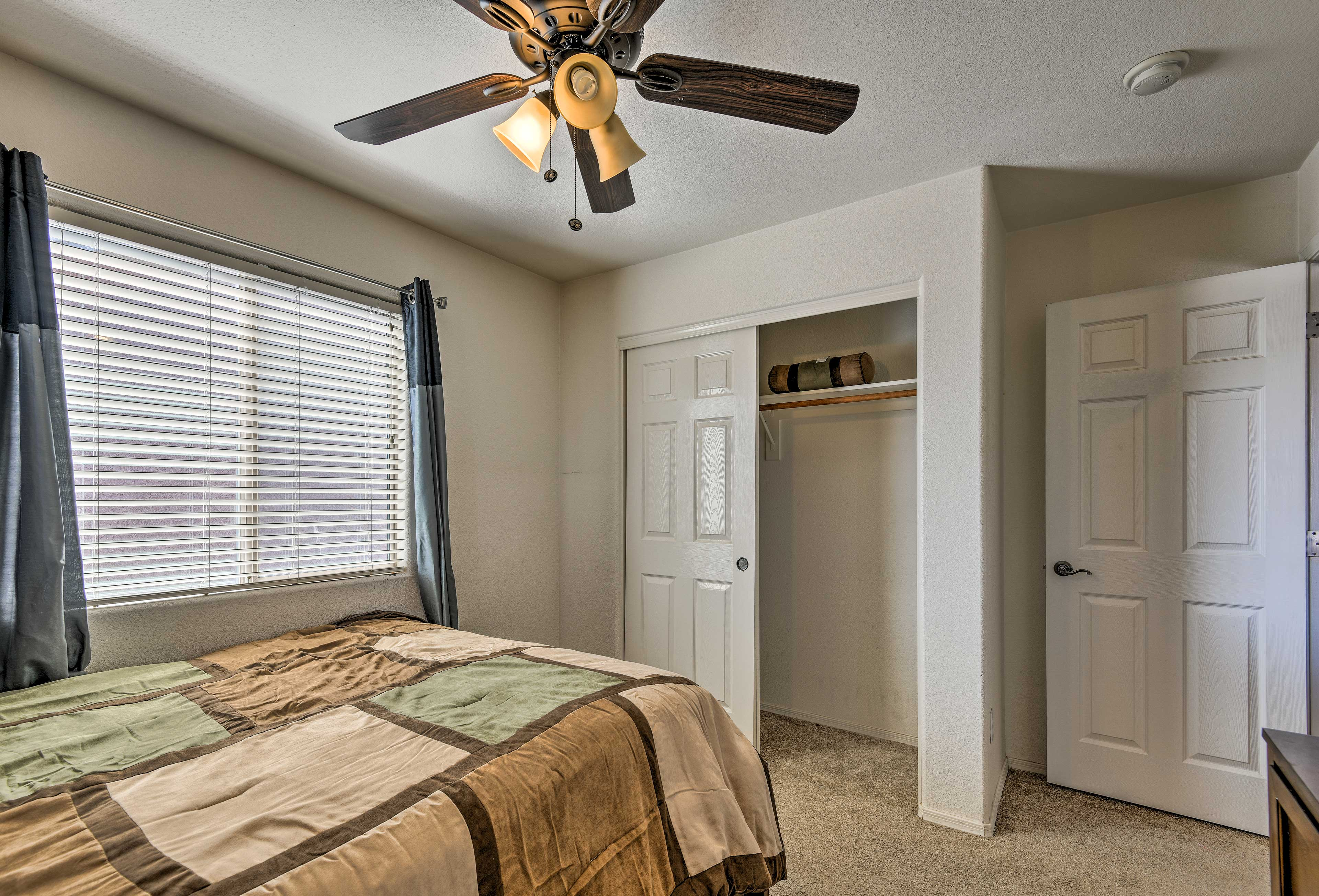 Turn on the AC and ceiling fan for those extra balmy Arizona nights!
