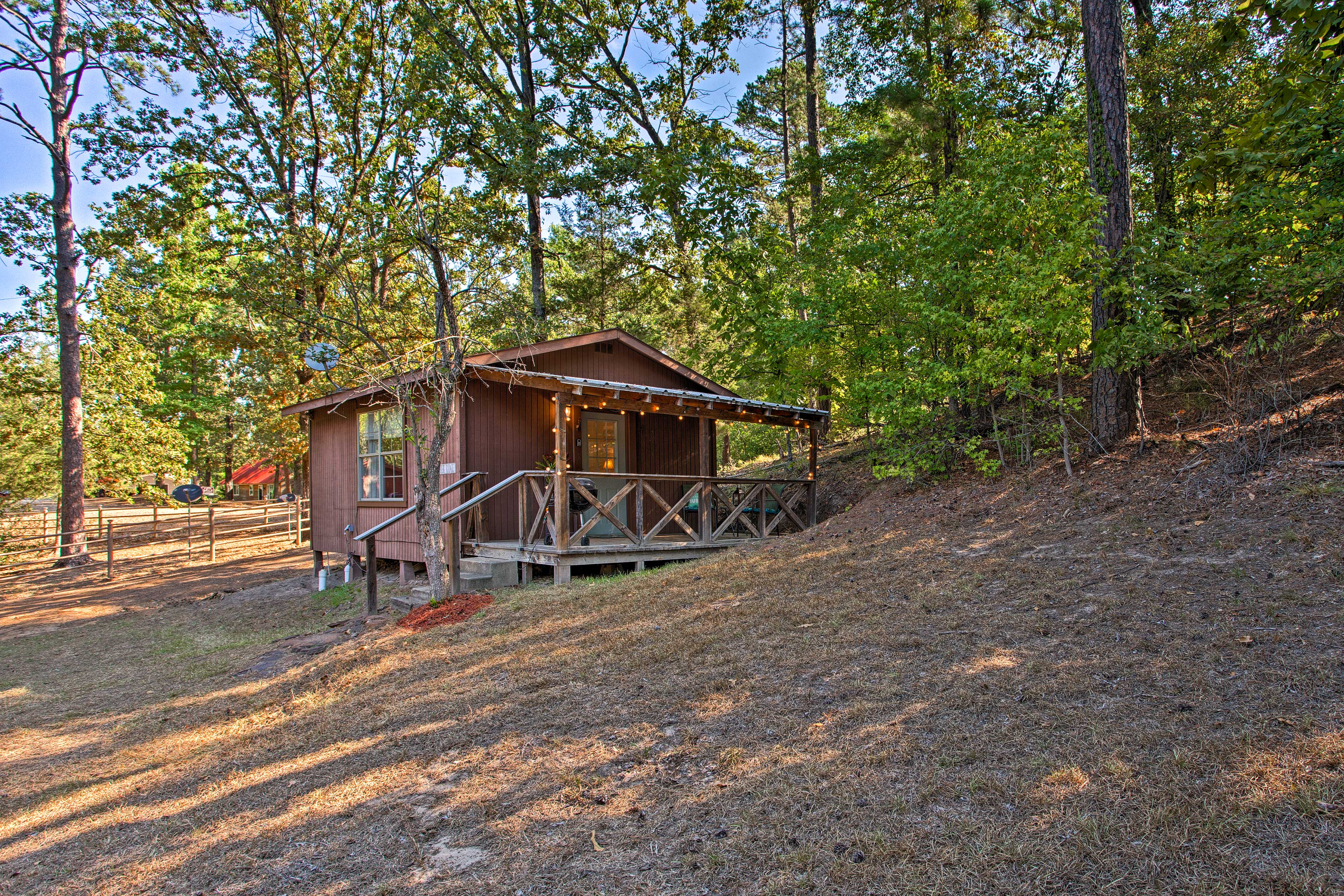 You'll fall in love with eastern Texas & Lake O' the Pines at this cabin!