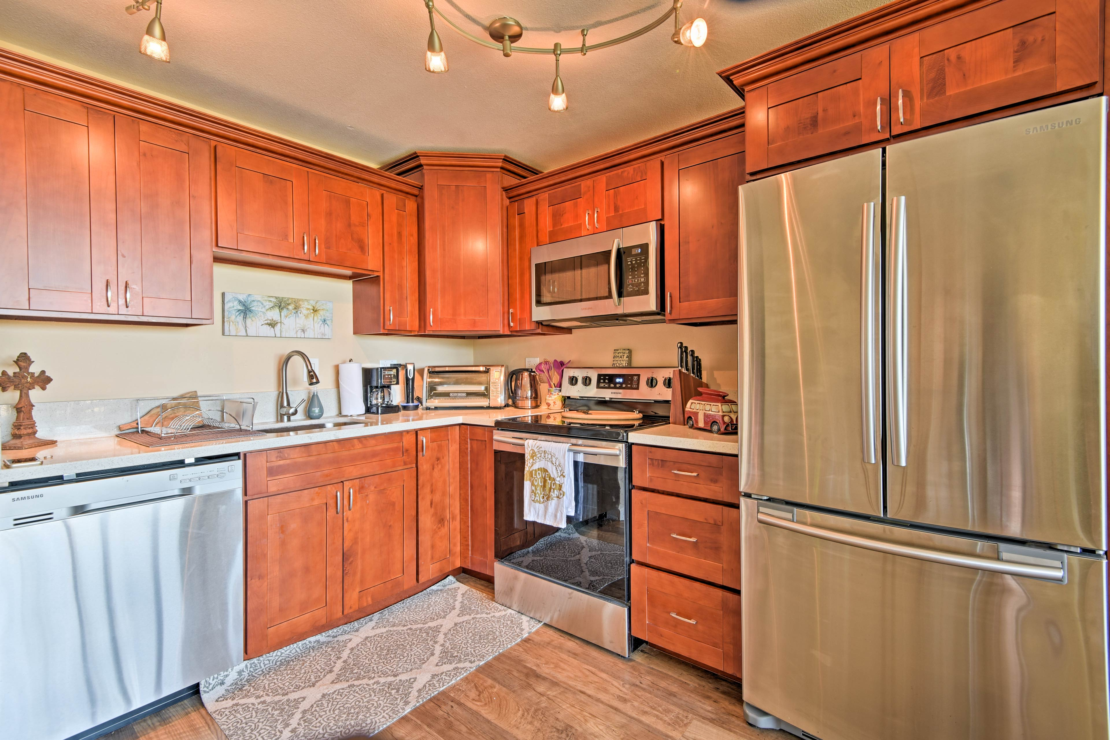 Stainless steel appliances will make cooking a breeze!