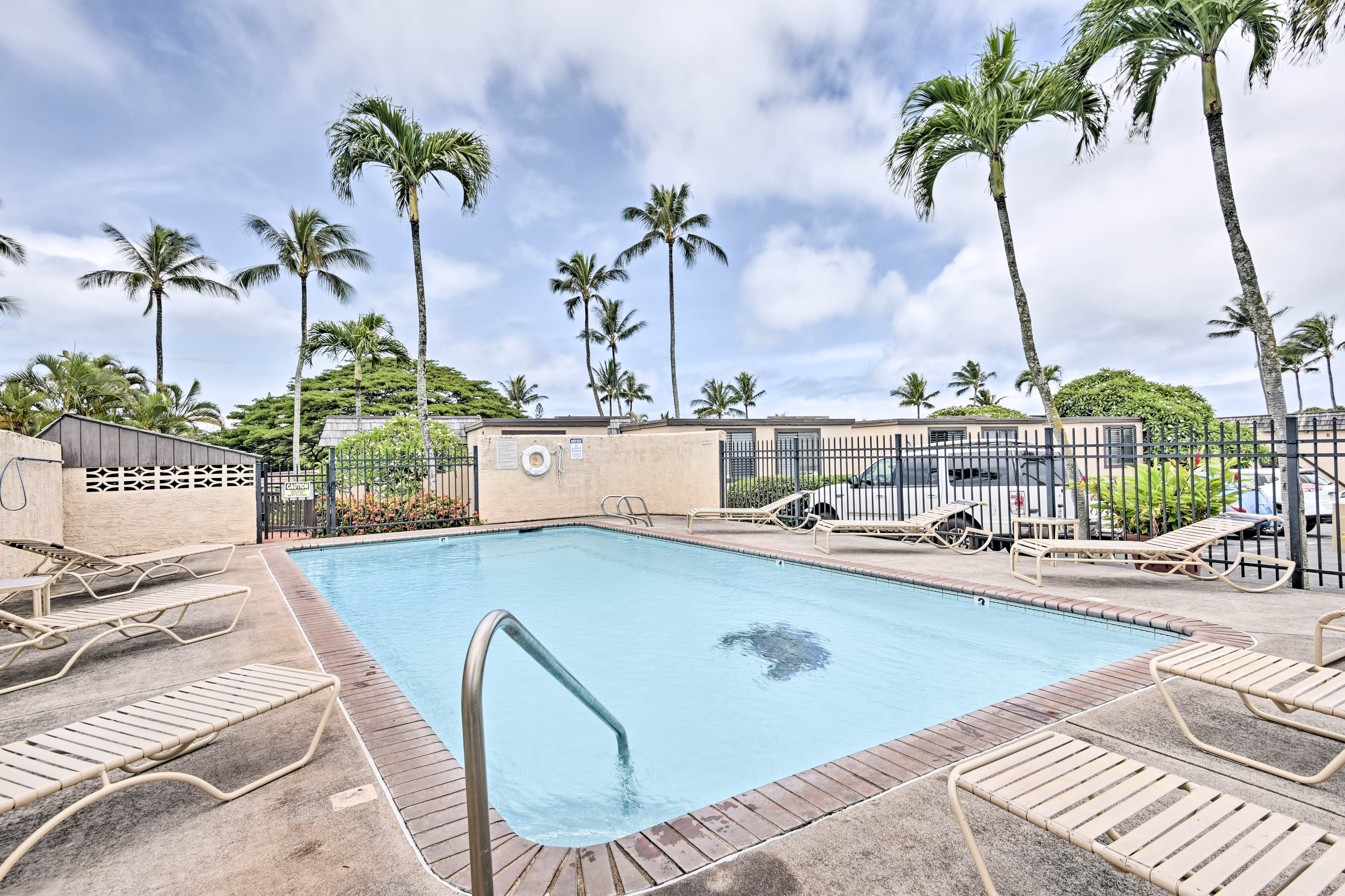 The condo is also within minutes of numerous golf courses!