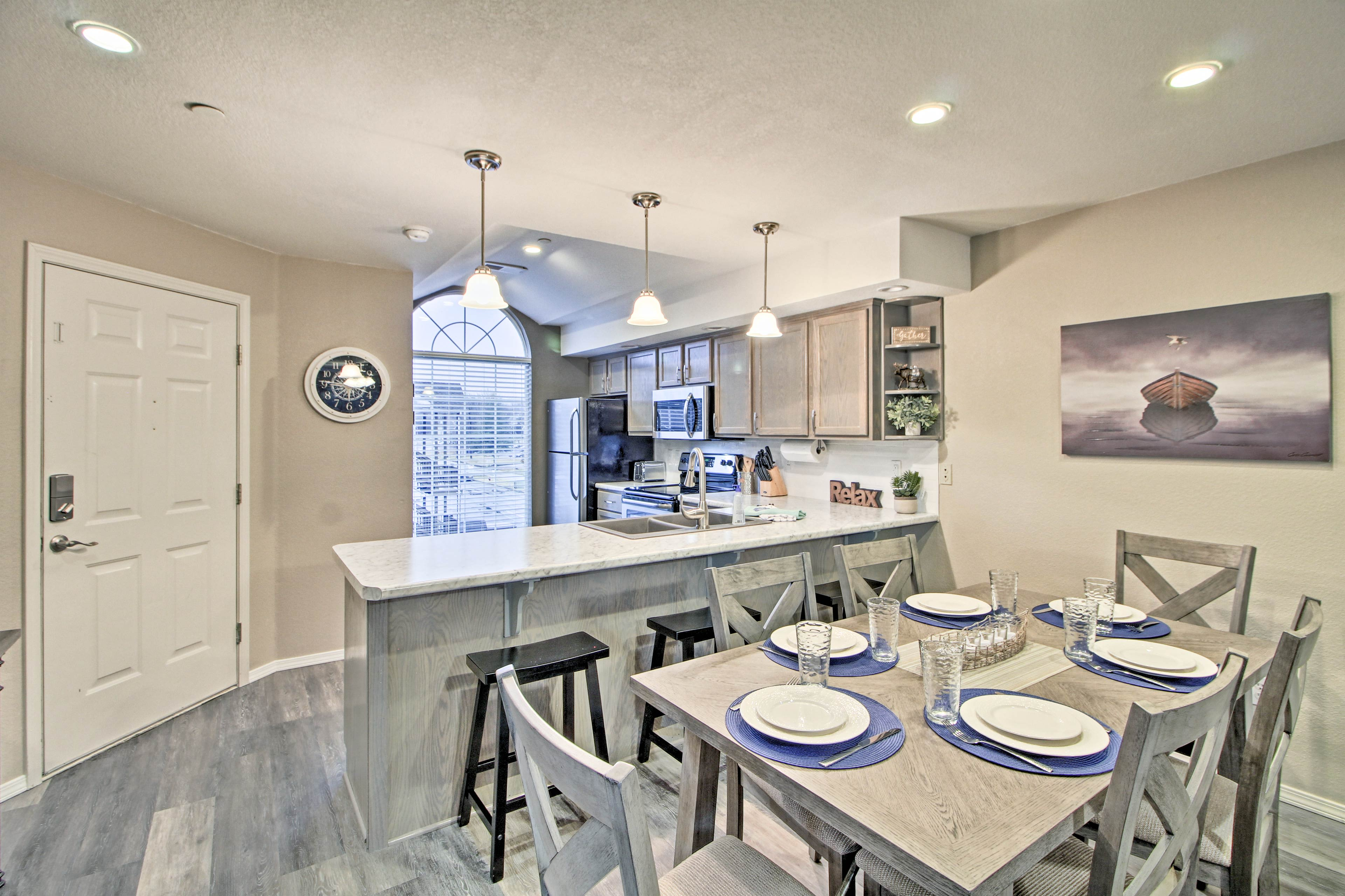 Your group of 7 will enjoy 1,150 square feet of newly remodeled living space.