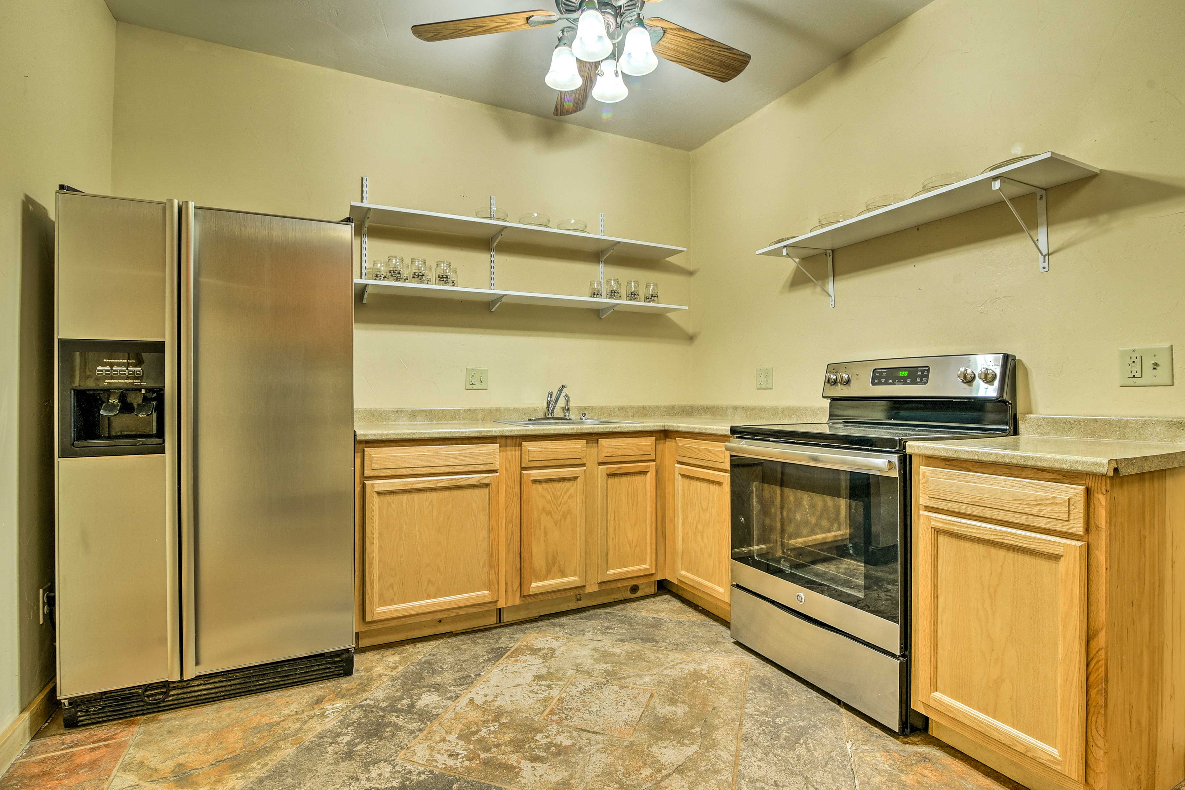 A second kitchen downstairs is fully equipped!