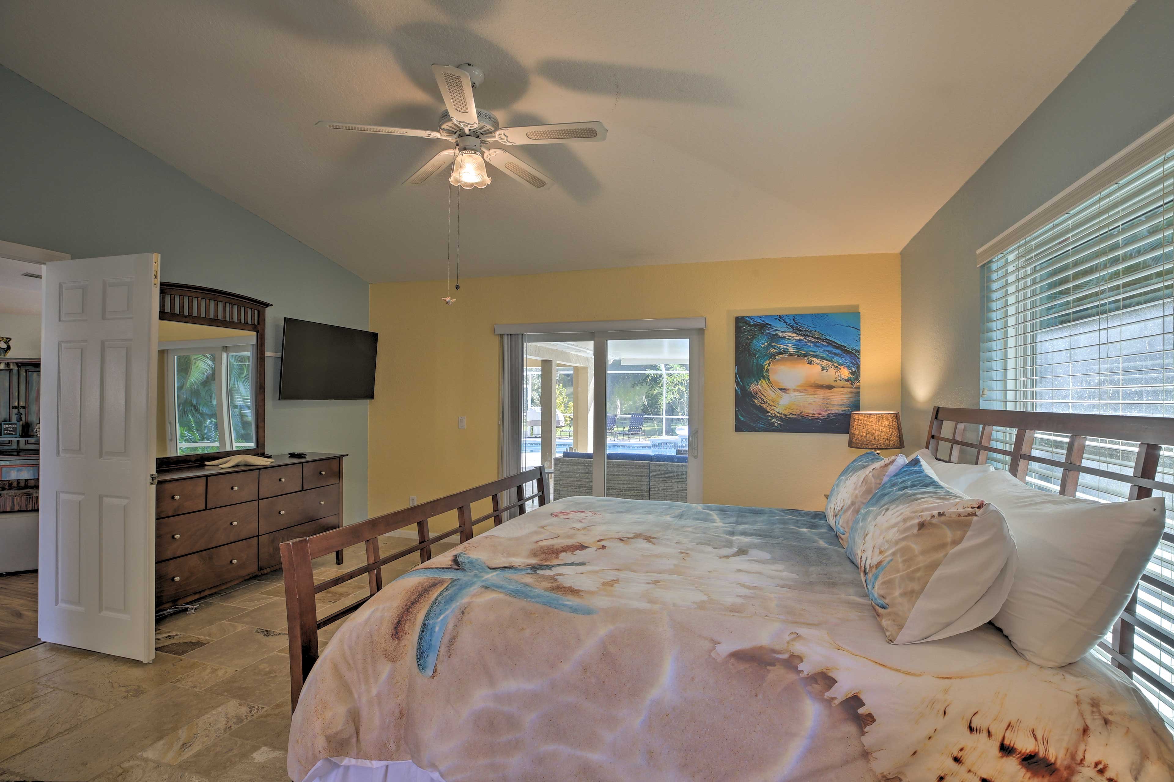 Master Bedroom 1 | Linens Provided | Smart TV | Private Lanai Access