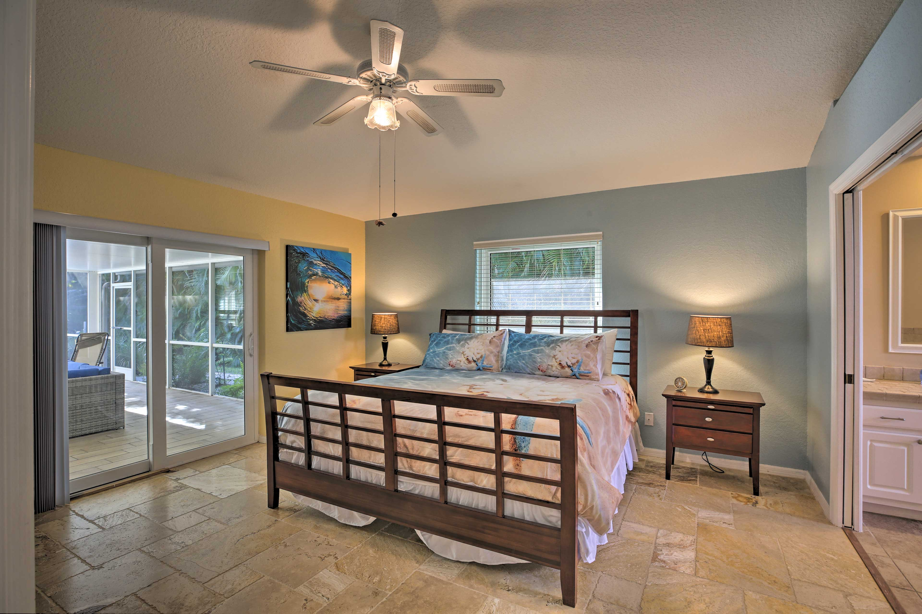 Master Bedroom 1 | King Bed | Dresser
