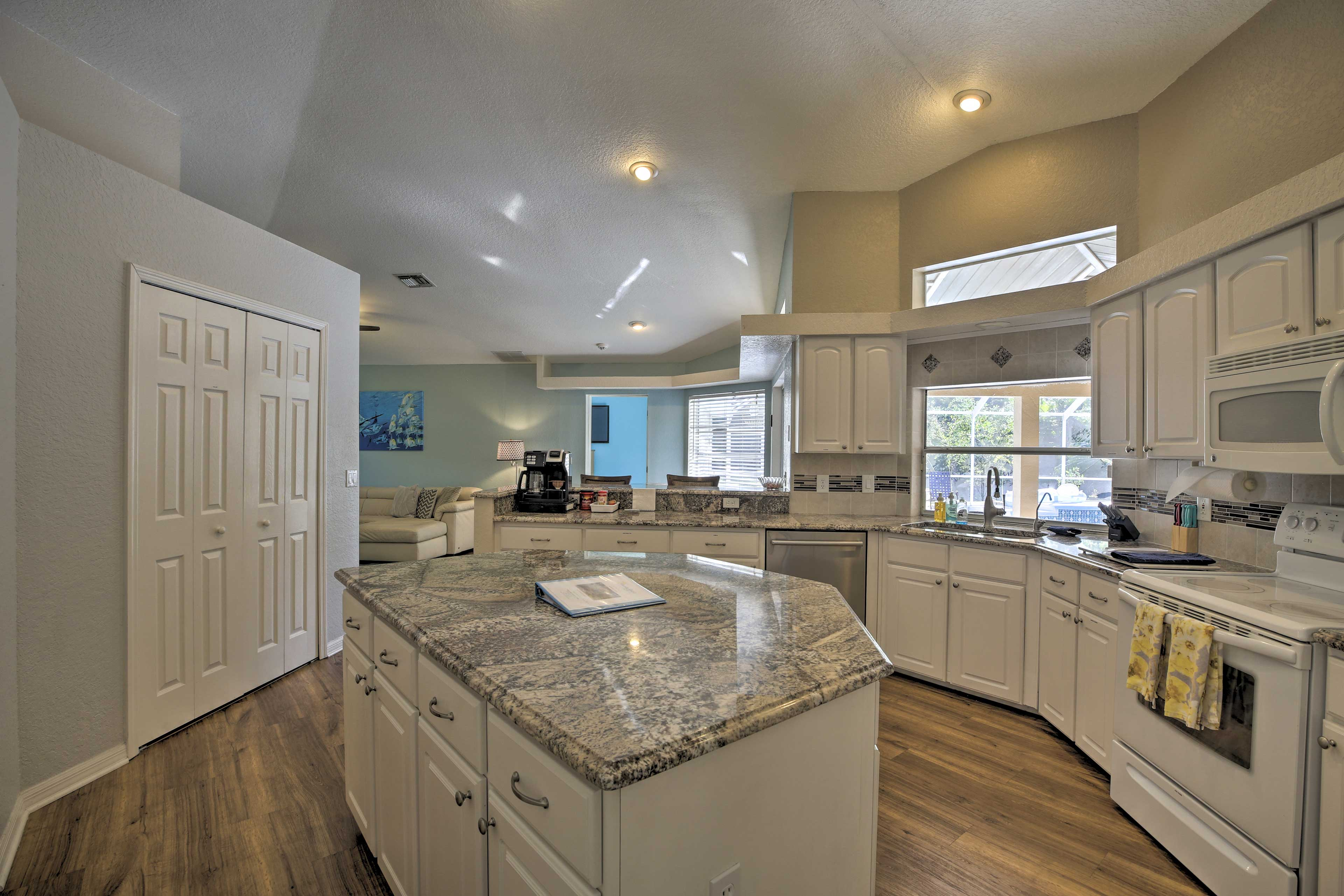 Fully Equipped Kitchen | Granite Countertops | Drip Coffee Maker